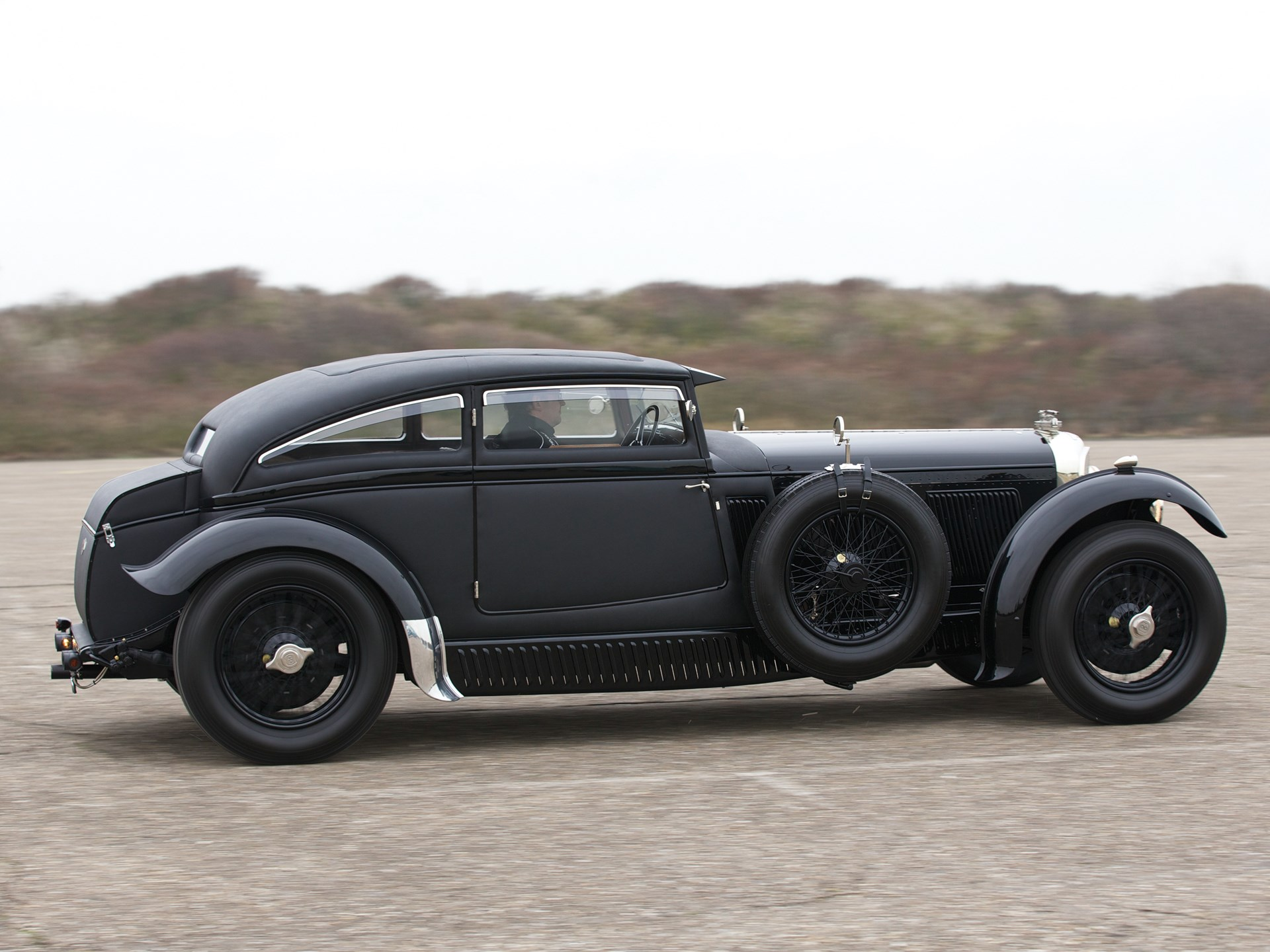 1930 bentley blue train