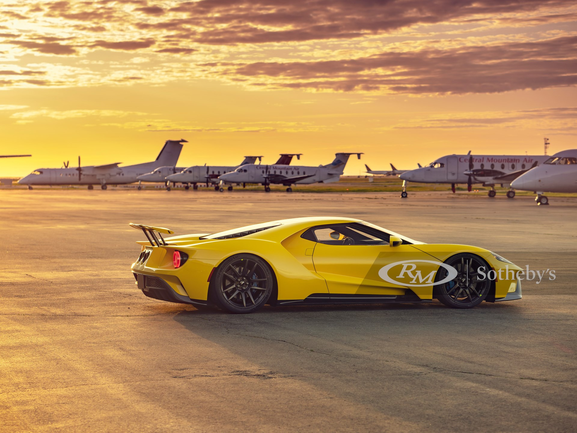 2017 Ford GT  -