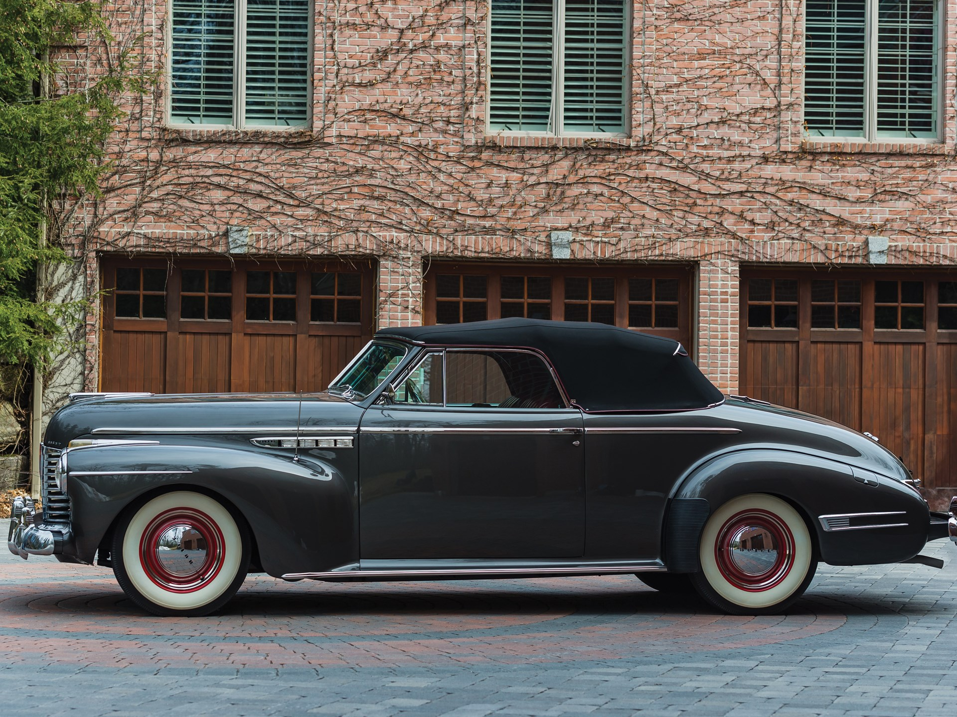 1941 Buick Super Convertible Coupe