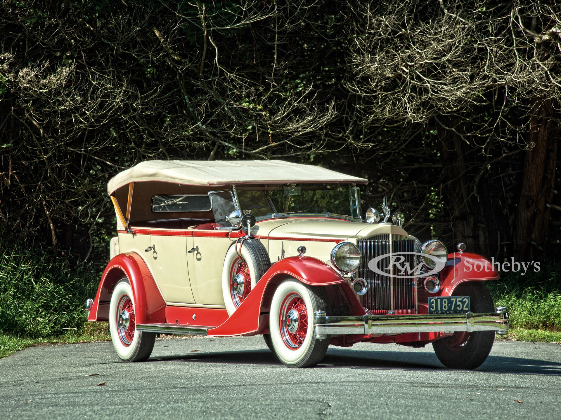 1933 Packard Super Eight Model 1004 5/7-Passenger Touring