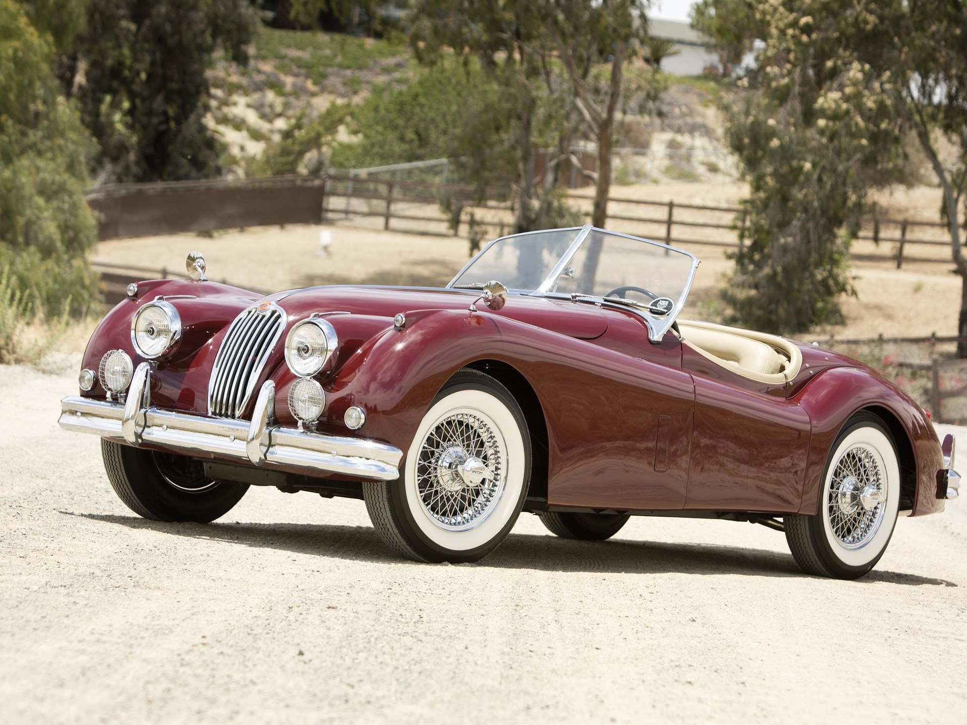 1956 Jaguar XK140 MC 3.4 Roadster