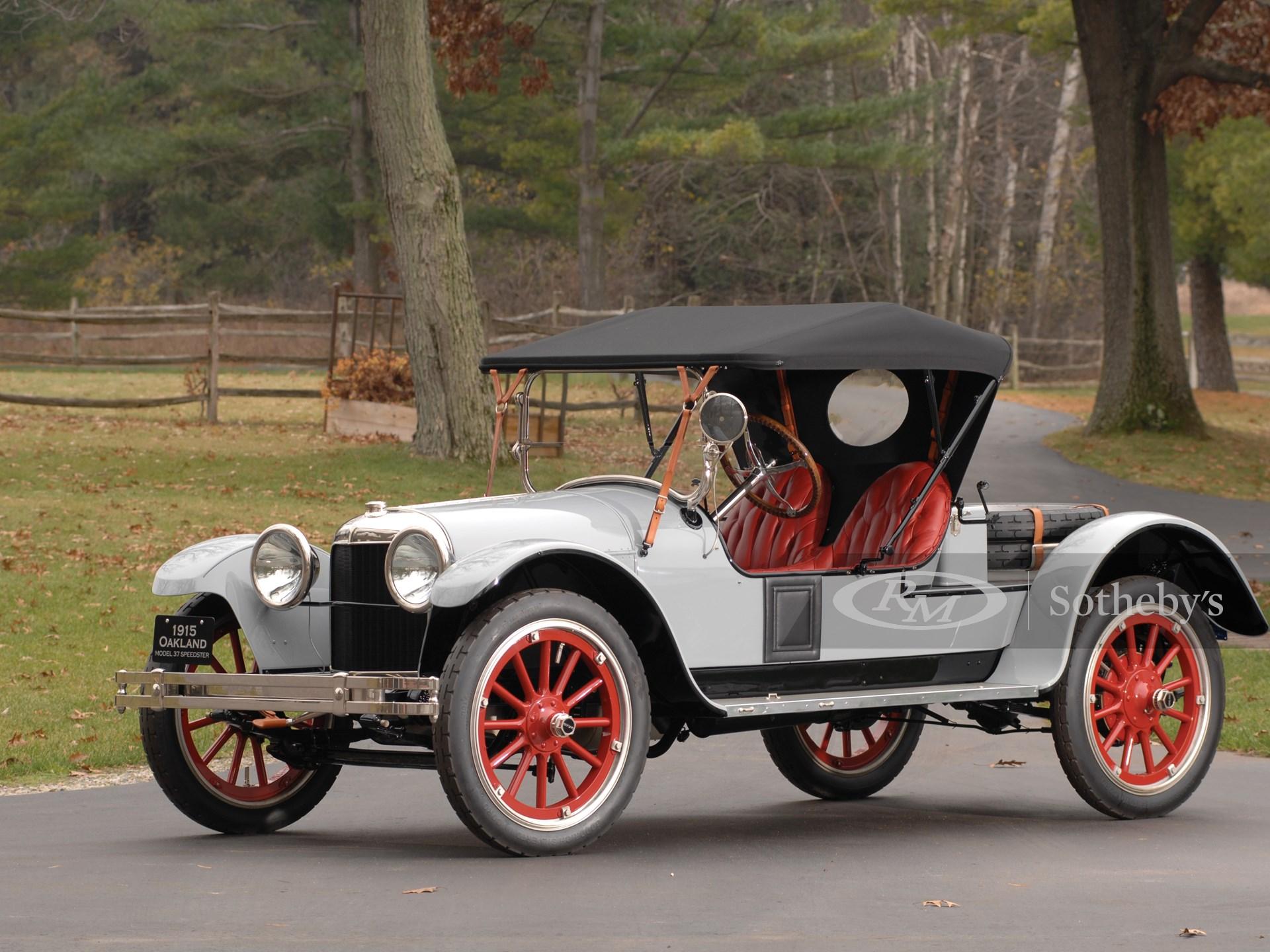 1915 Oakland Model 37 Roadster  -