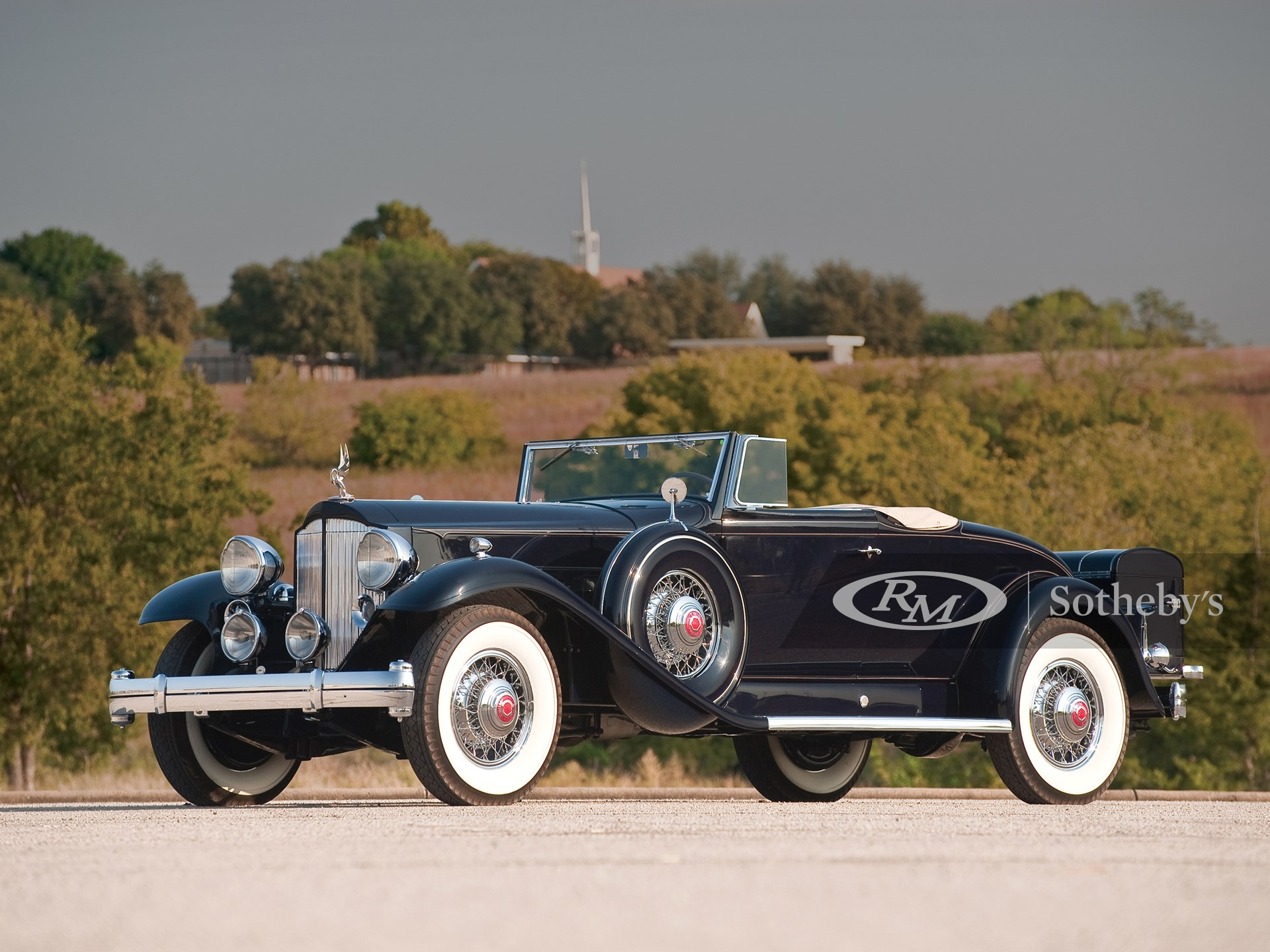 1932 Packard Twin Six 2/4P Coupe Roadster