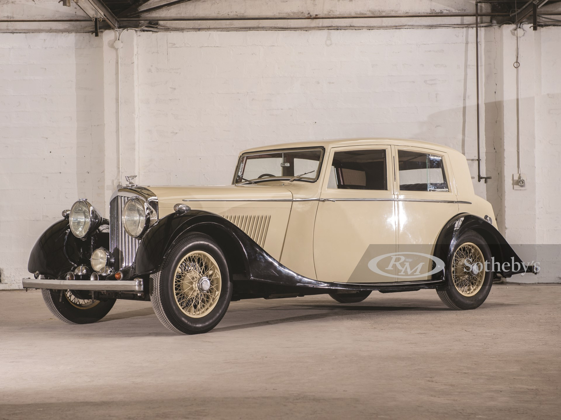 1937 Bentley 4¼-Litre Saloon by Mann Egerton