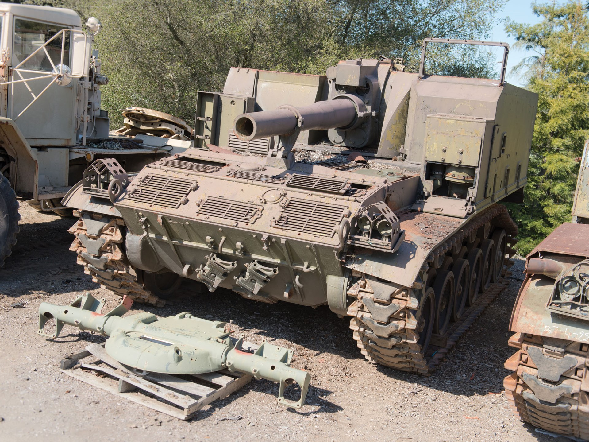 RM Sotheby's - M44 155-mm Self-Propelled Howitzer | The
