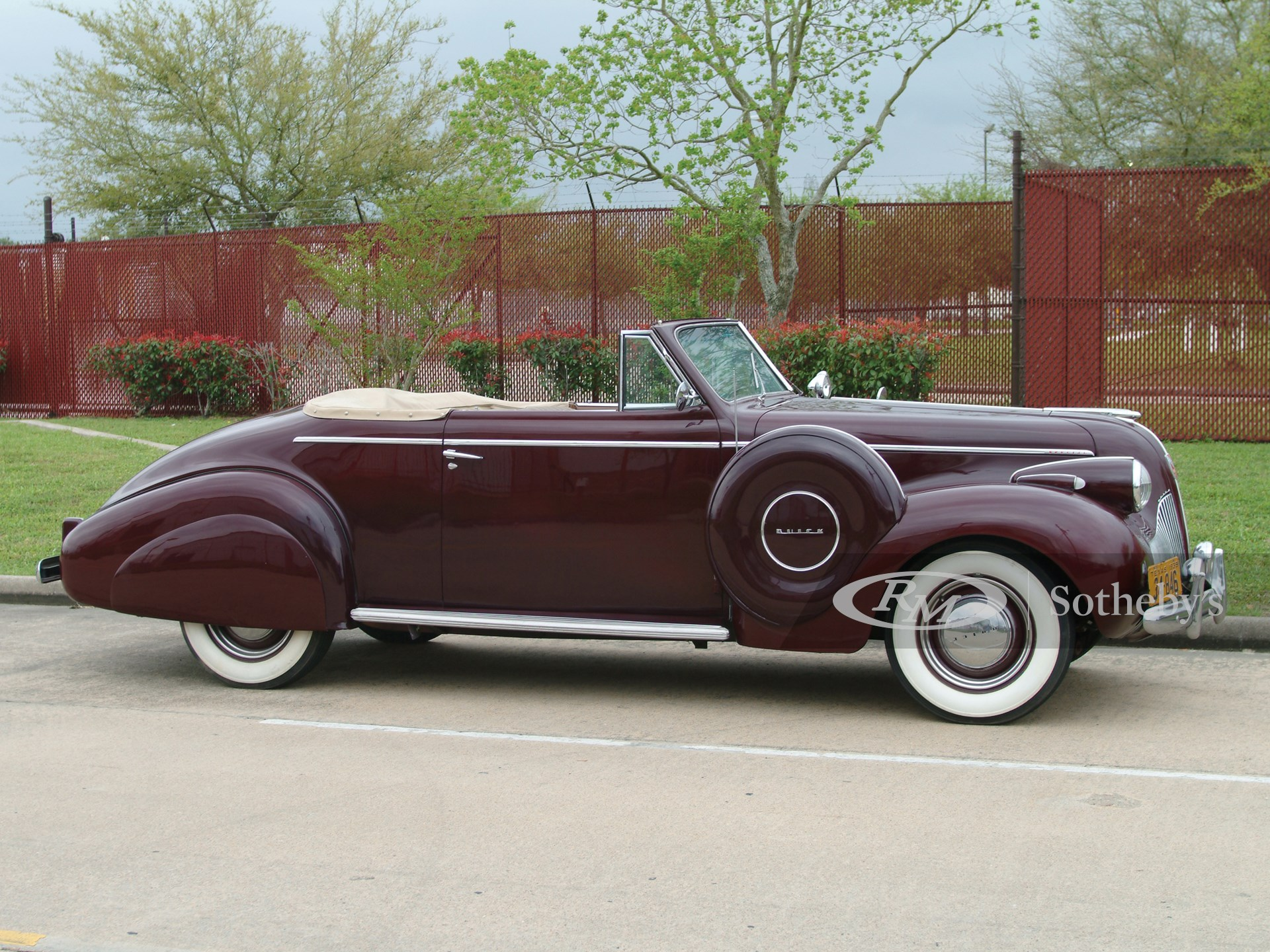 1939 Buick Special Convertible
