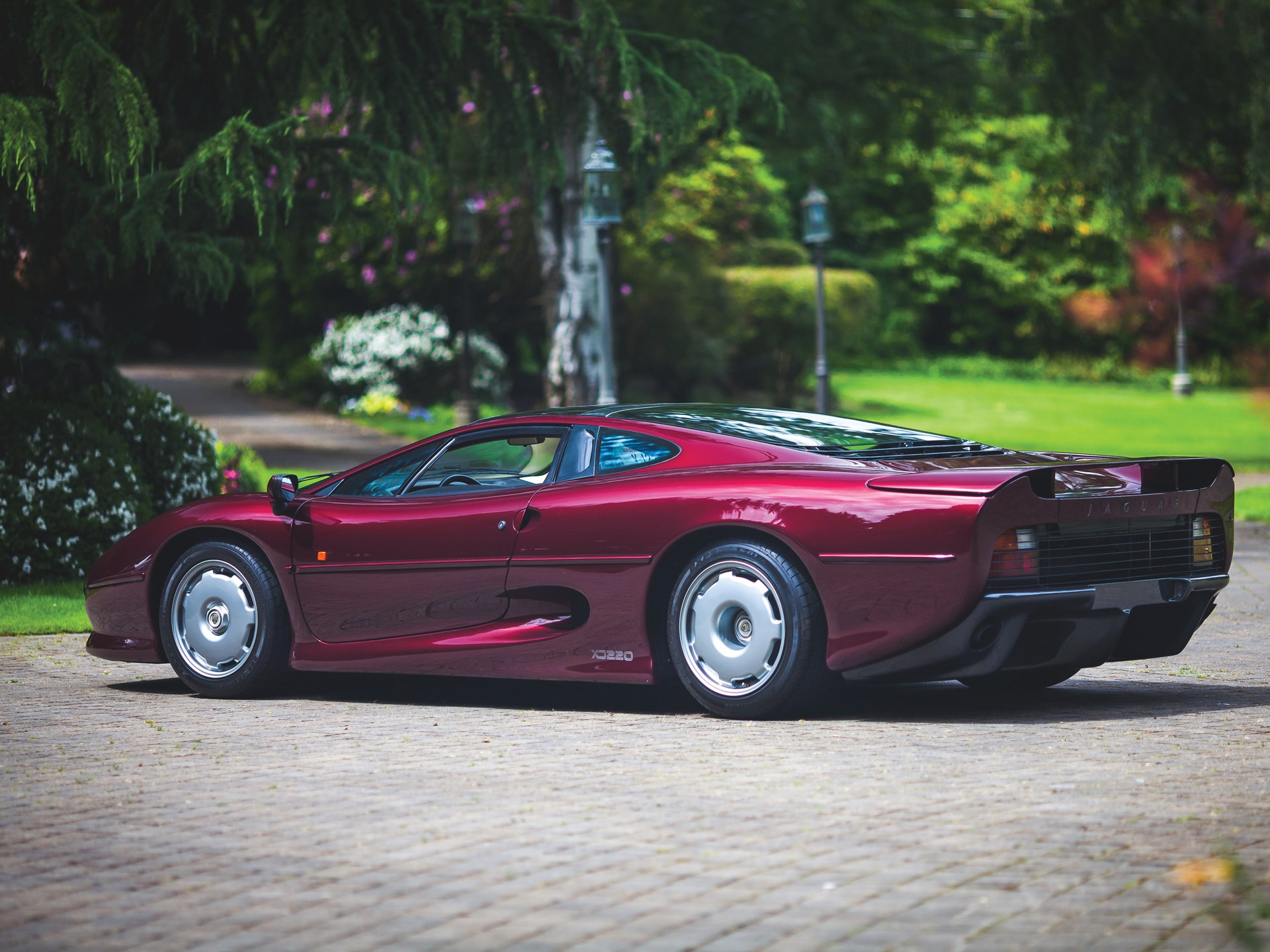 rm sotheby's - 1993 jaguar xj220   monterey 2017