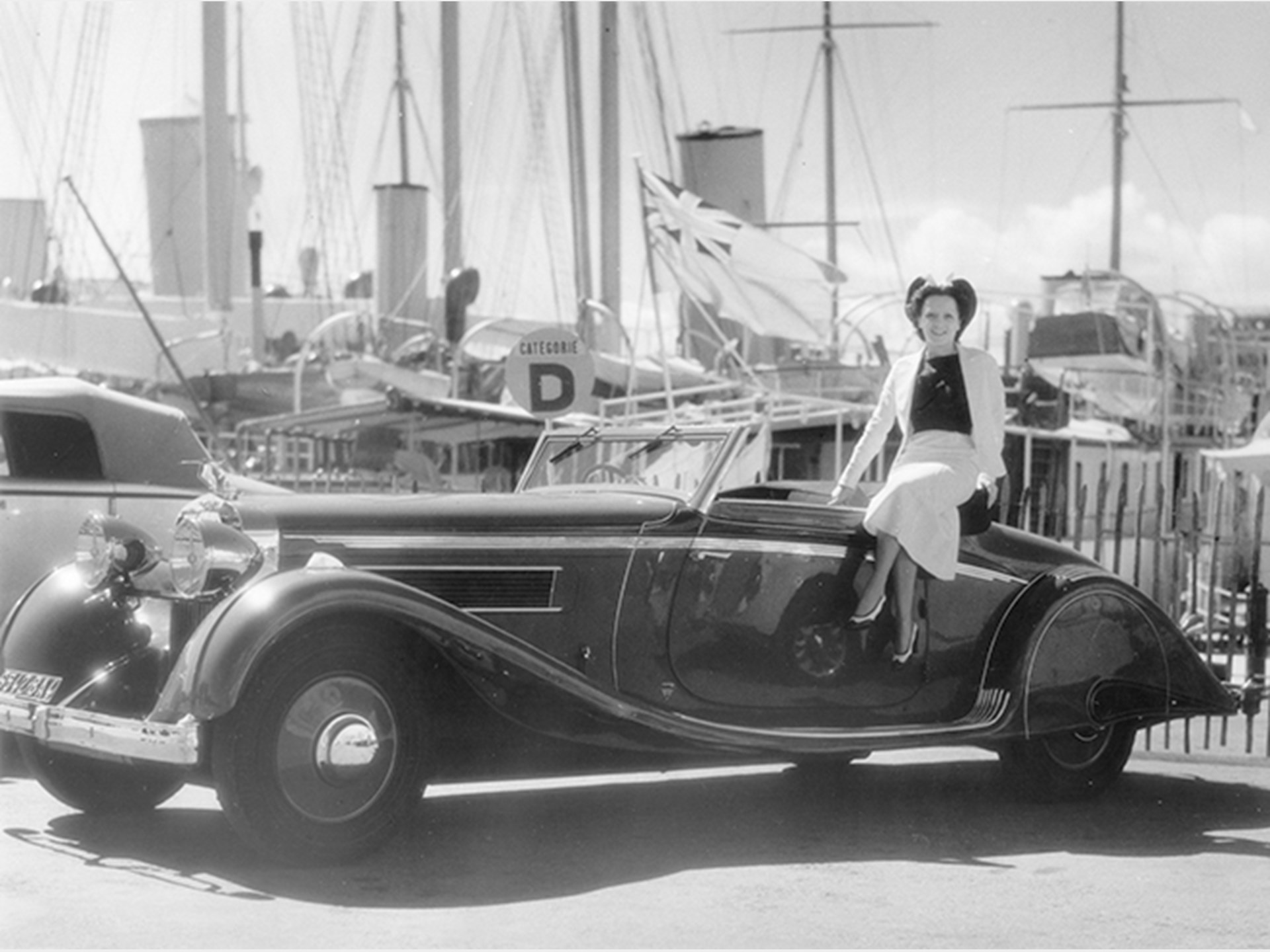 Chassis number 16035 showing off its exquisite Brandone lines at the concours in Cannes, March 1937.