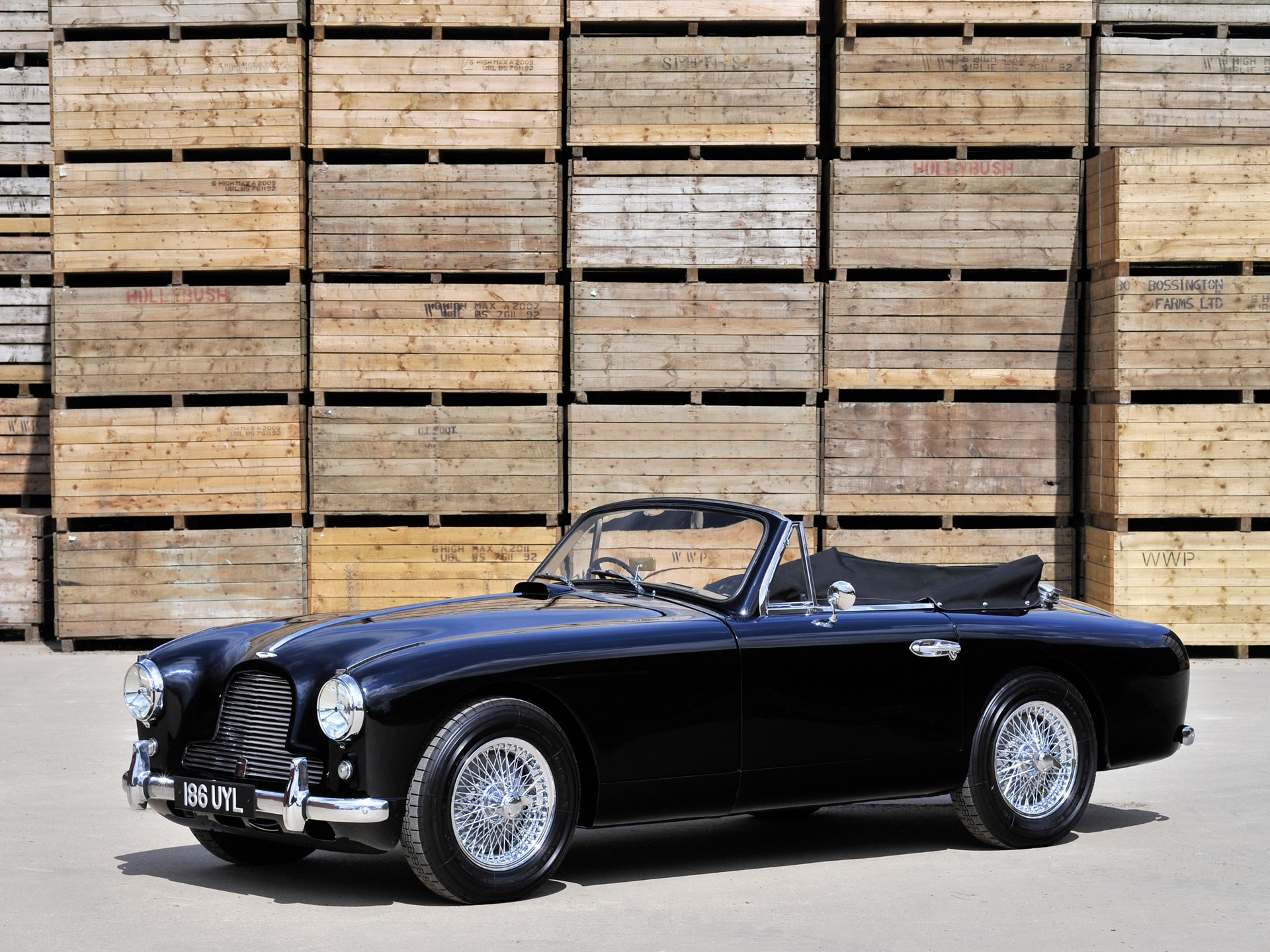 RM Sothebys Aston Martin DB Drophead Coupé London - Aston martin db2