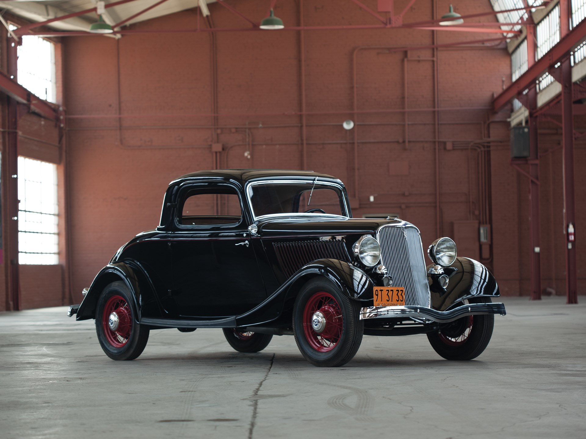 1933 ford v 8 deluxe three window coupe