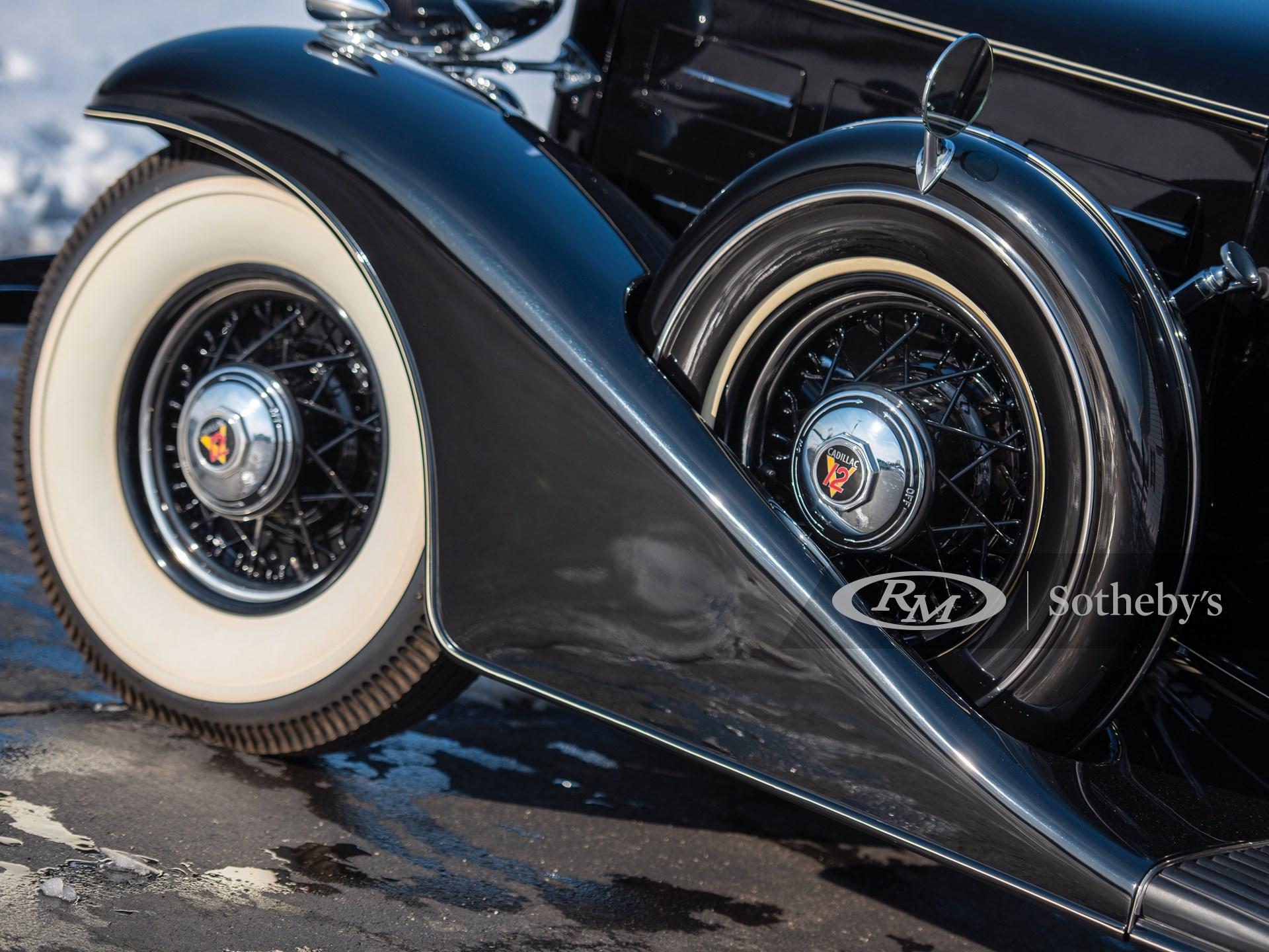 1933 Cadillac V-12 Town Sedan  -