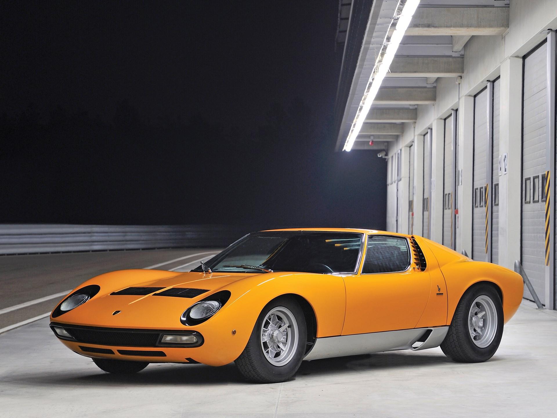 Rm Sotheby S 1972 Lamborghini Miura P400 Sv By Bertone New York