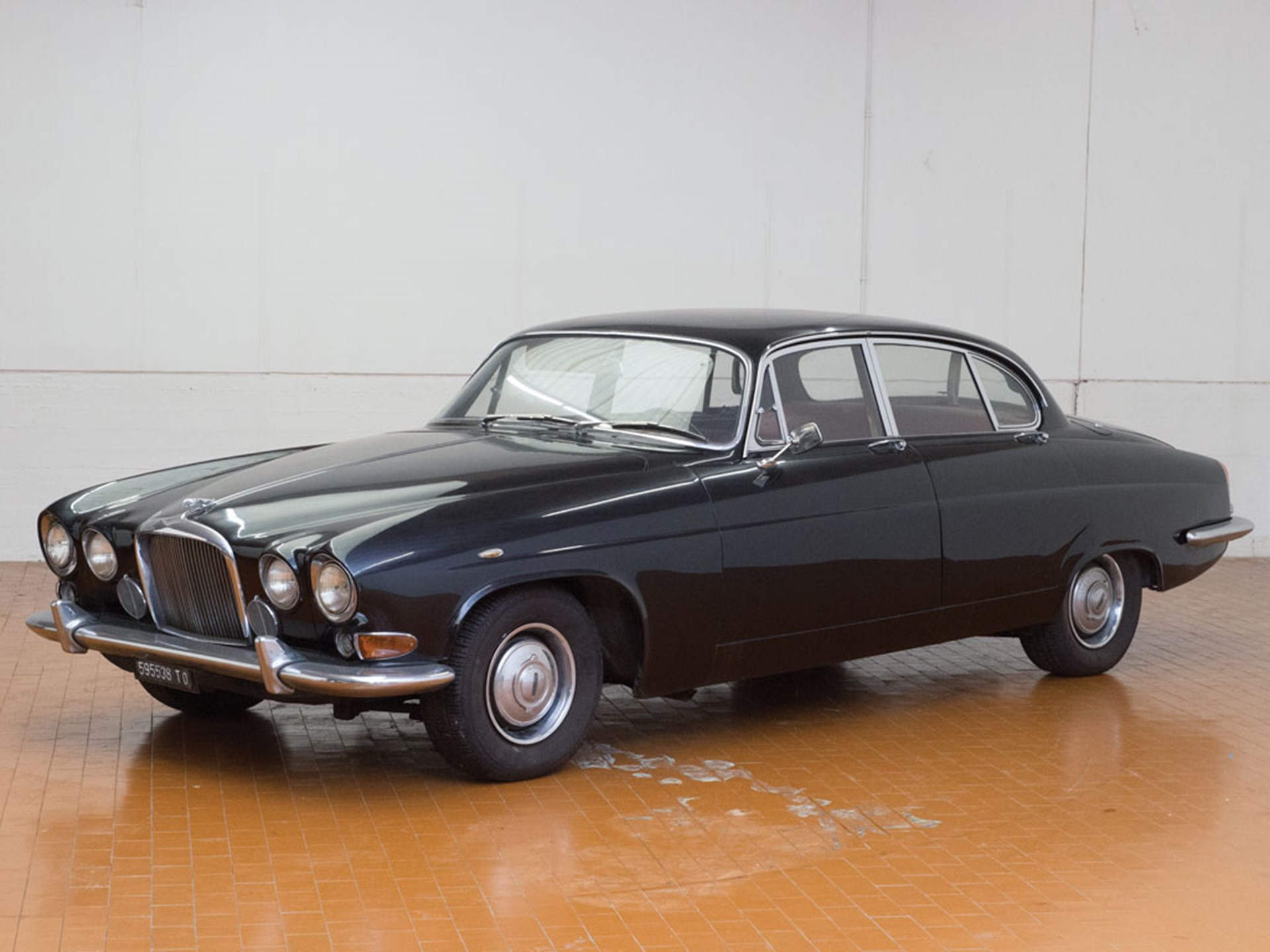 1963 Jaguar Mark X | Duemila Ruote 2016 | RM Auctions
