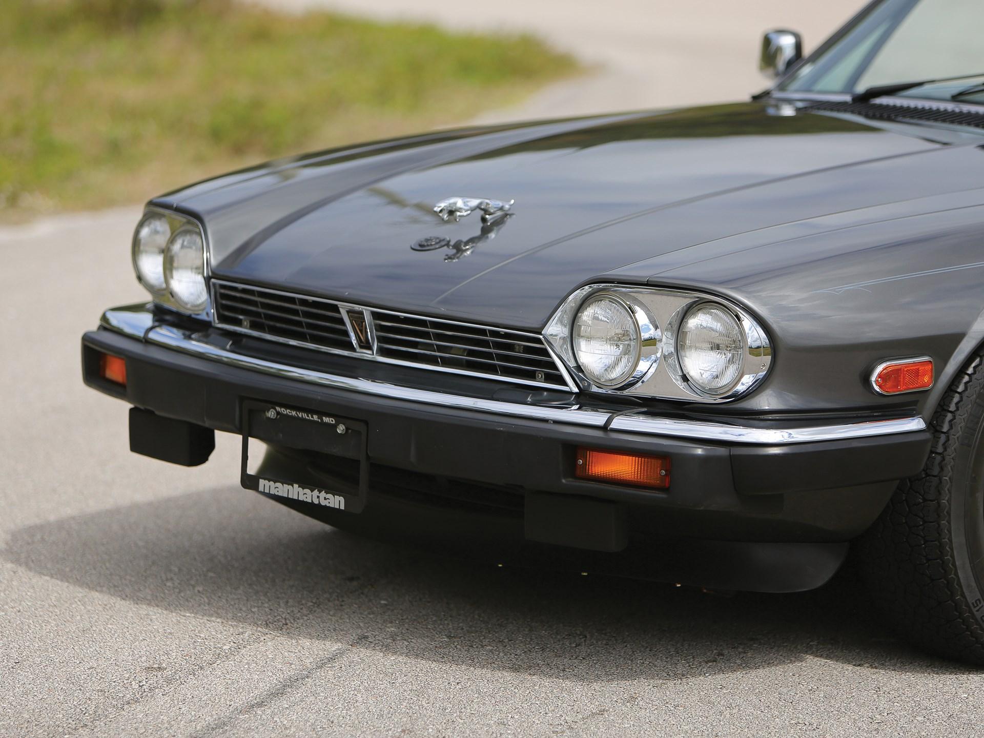 side jaguar passenger convertible view xkr throwback front features
