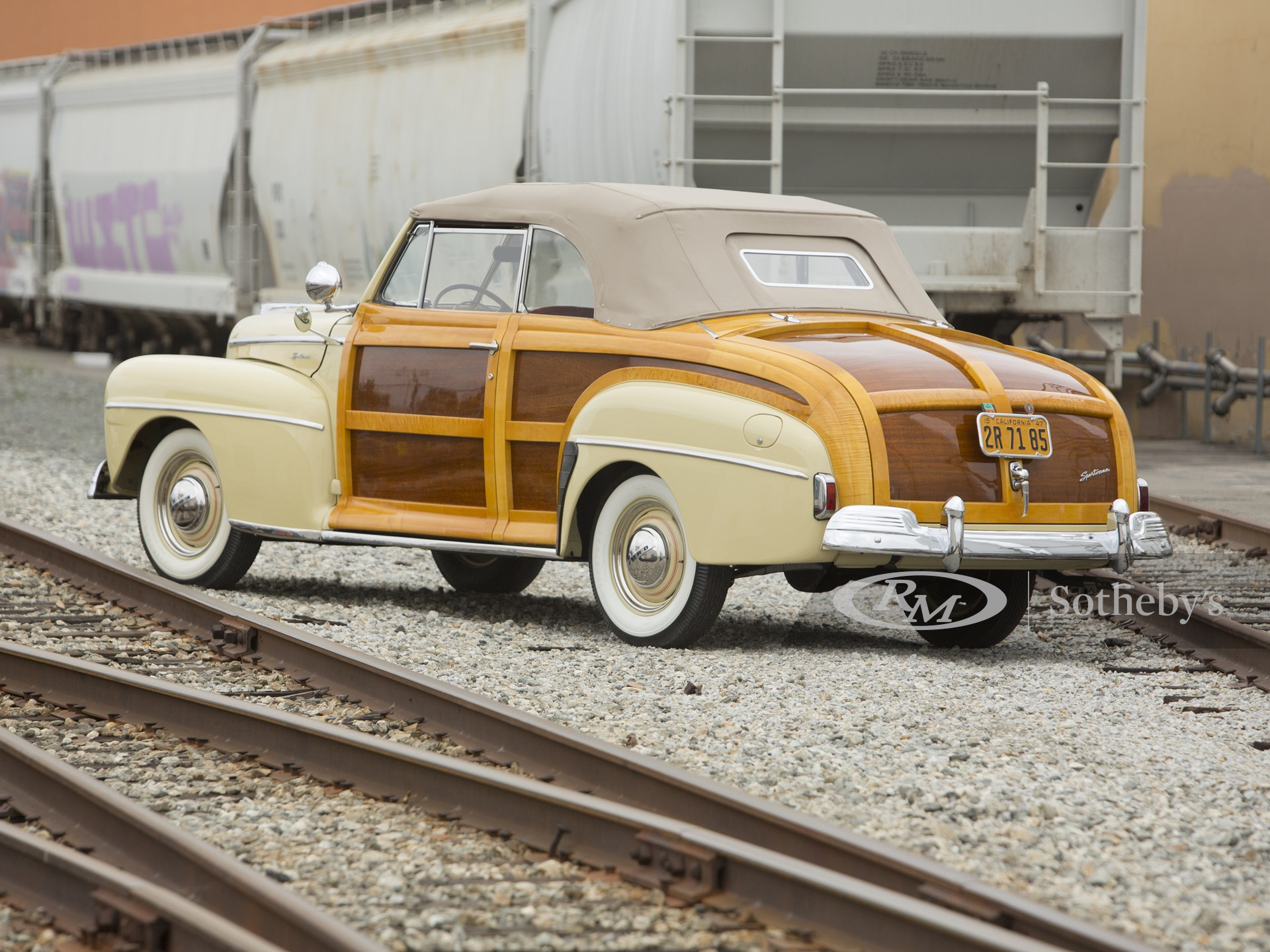 1947 Ford Super DeLuxe Sportsman  -