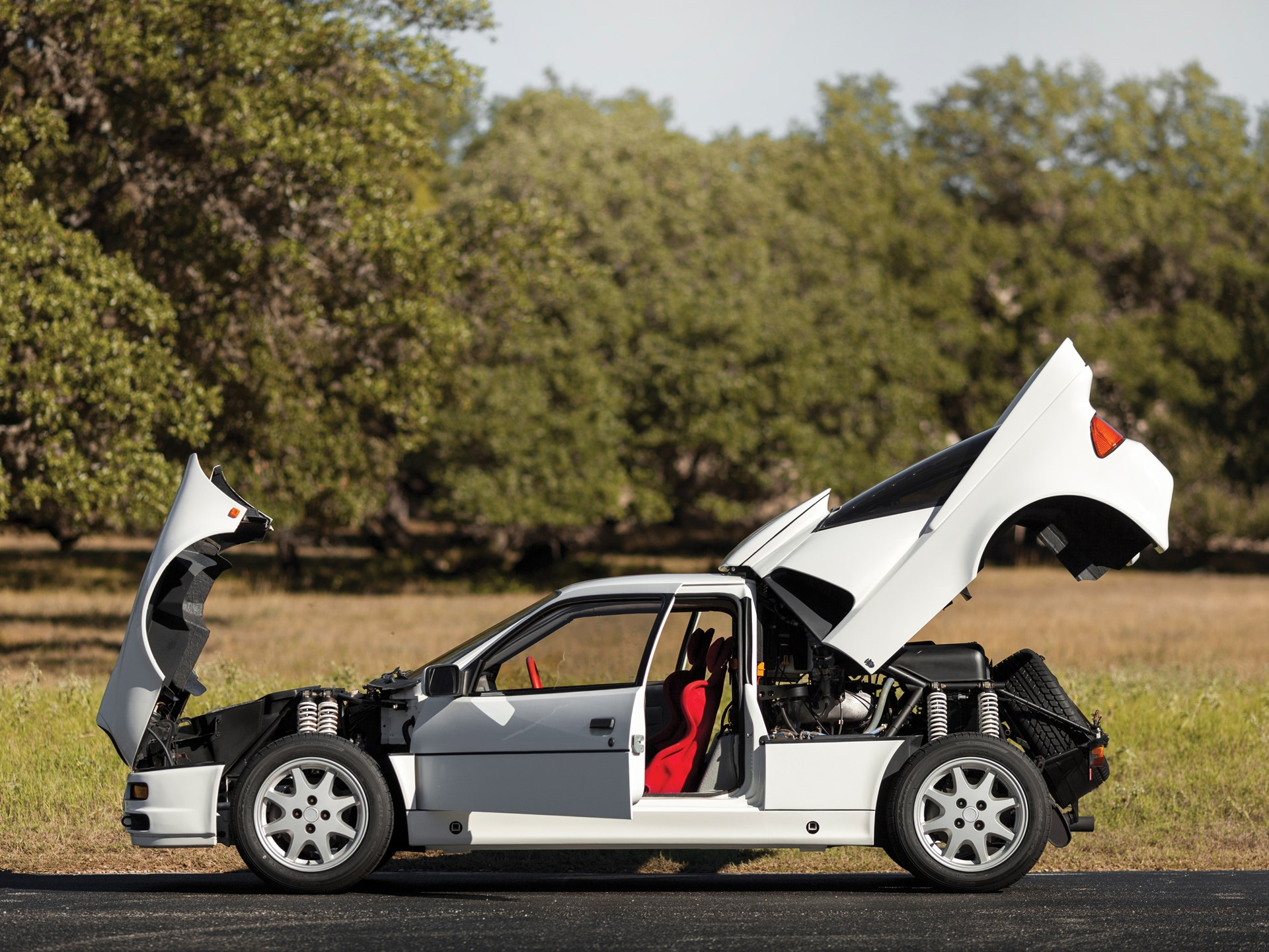 RM Sotheby's - 1986 Ford RS200 | New York - Driven By Disruption 2015