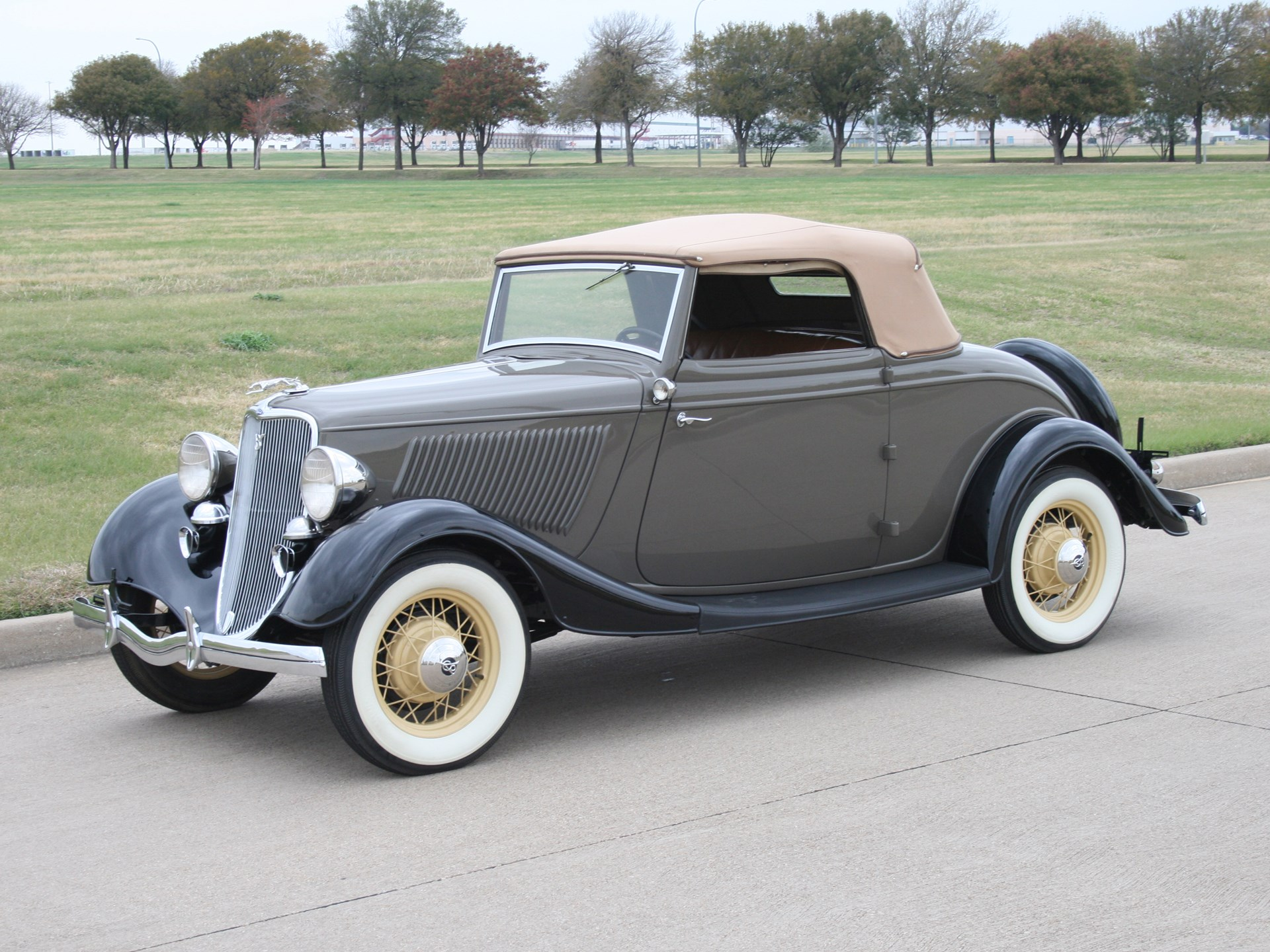 RM Sotheby s 1933 Ford Cabriolet