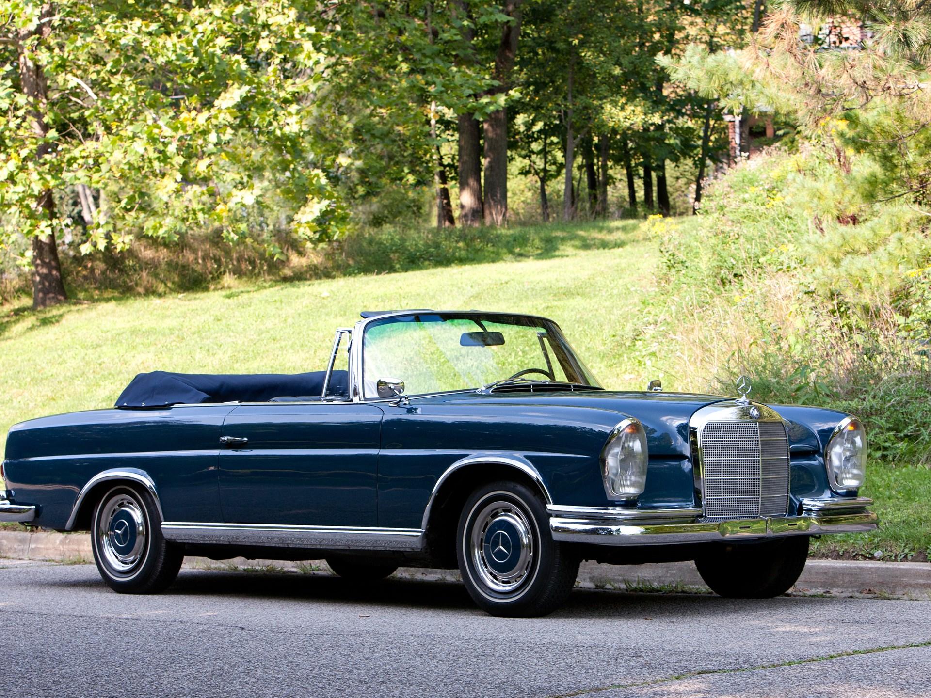 Resultado de imagem para Mercedes Benz - 220 SE Descapotável 1962