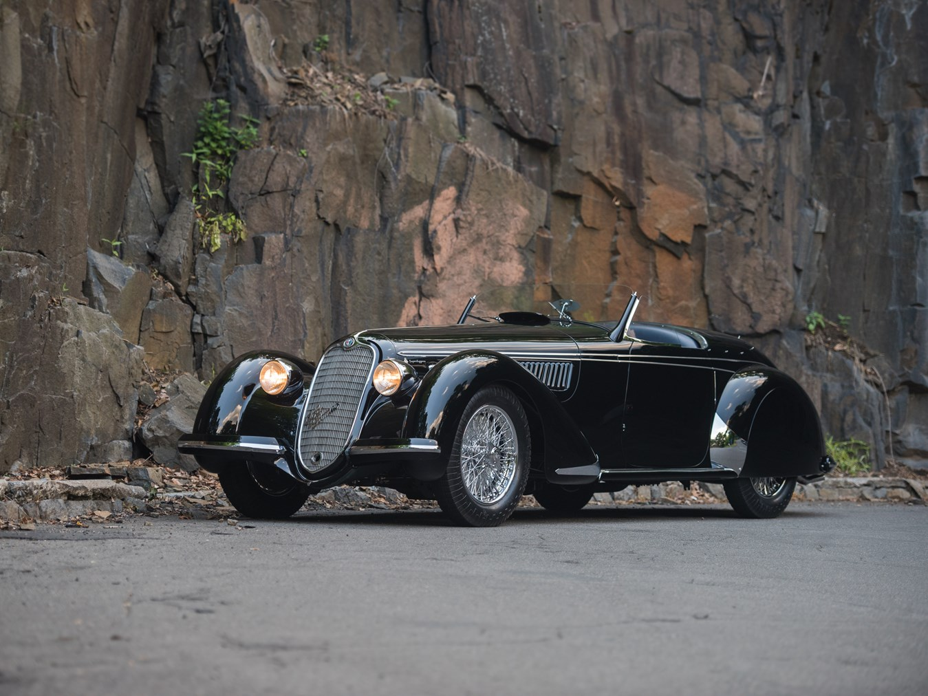 rm sotheby 39 s 1939 alfa romeo 8c 2900b lungo spider by touring monterey 2016. Black Bedroom Furniture Sets. Home Design Ideas