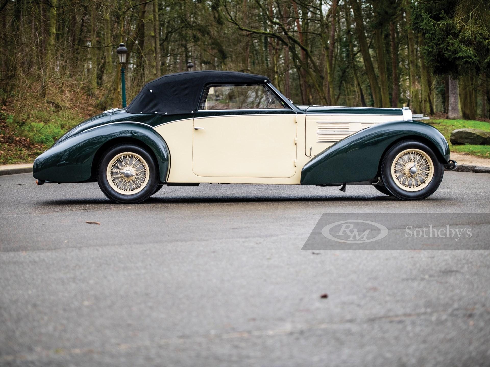 1939 Bugatti Type 57 Cabriolet by Gangloff -