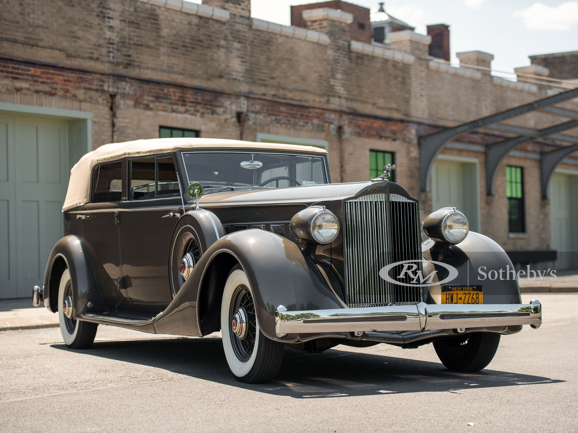 1935 Packard Super Eight Convertible Sedan