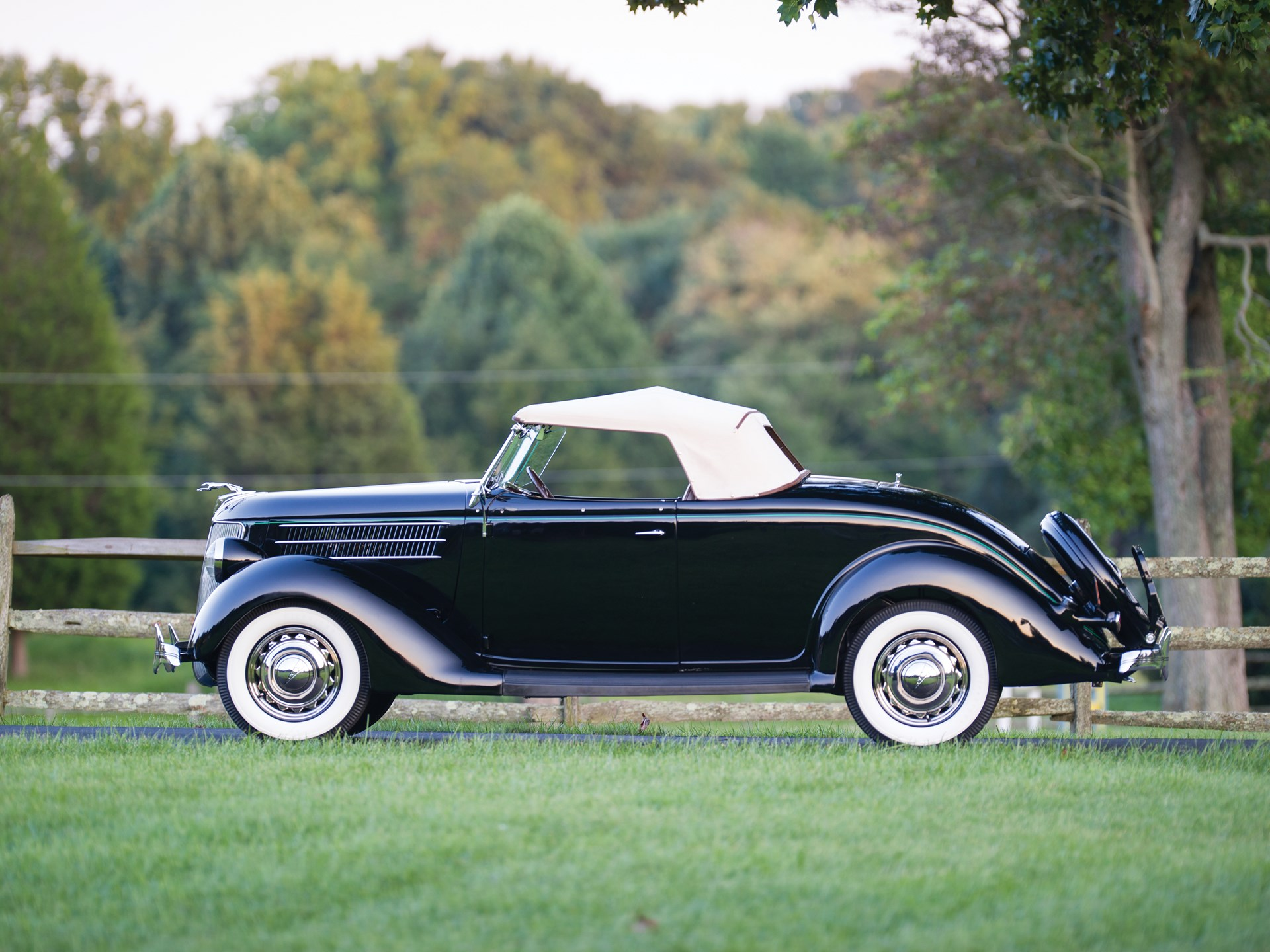 RM Sotheby's - 1936 Ford V-8 DeLuxe Roadster | Hershey 2015