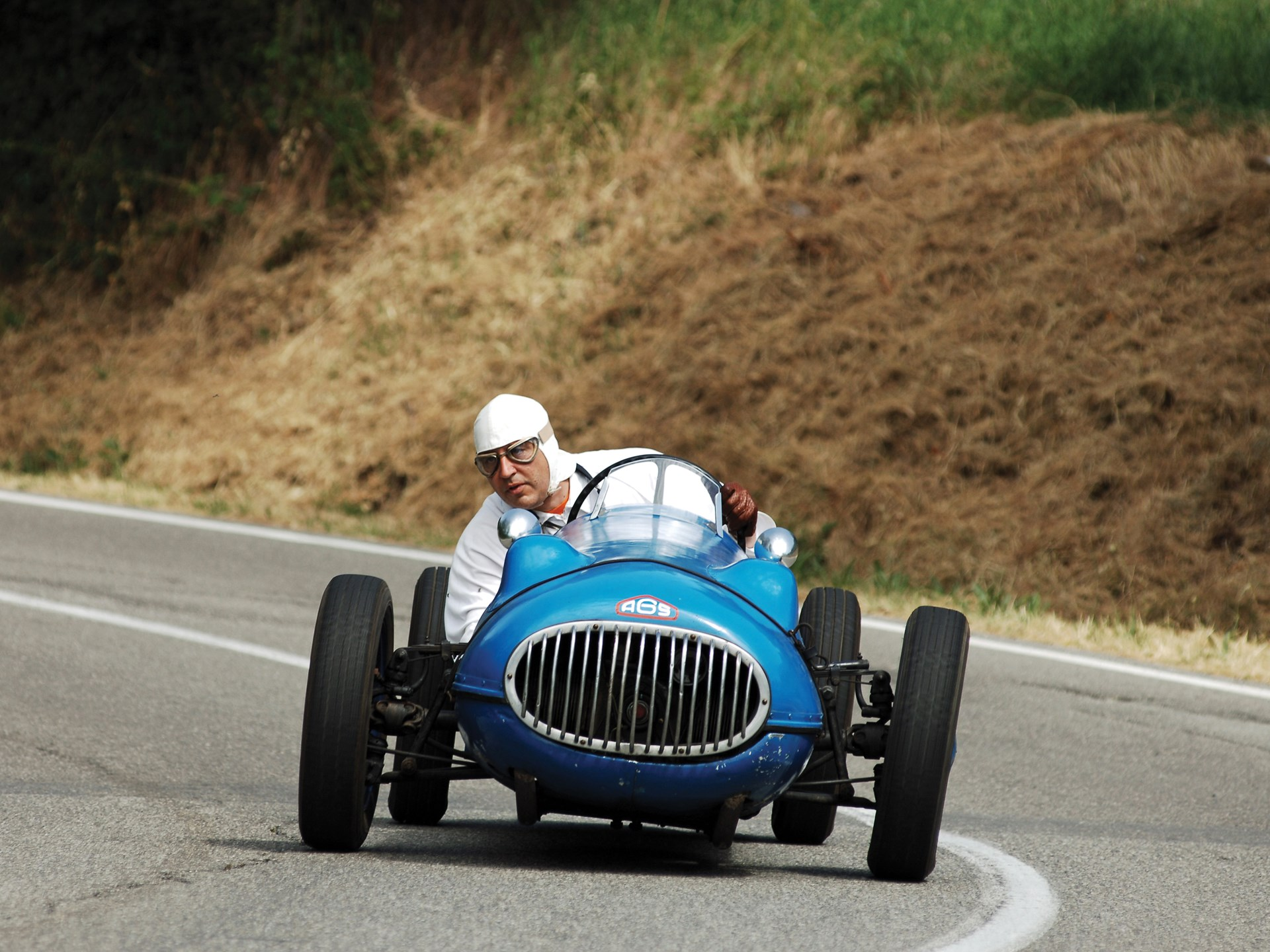 The AGS Panhard at speed on the Vernasca Silver Flag Hill Climb in 2010.