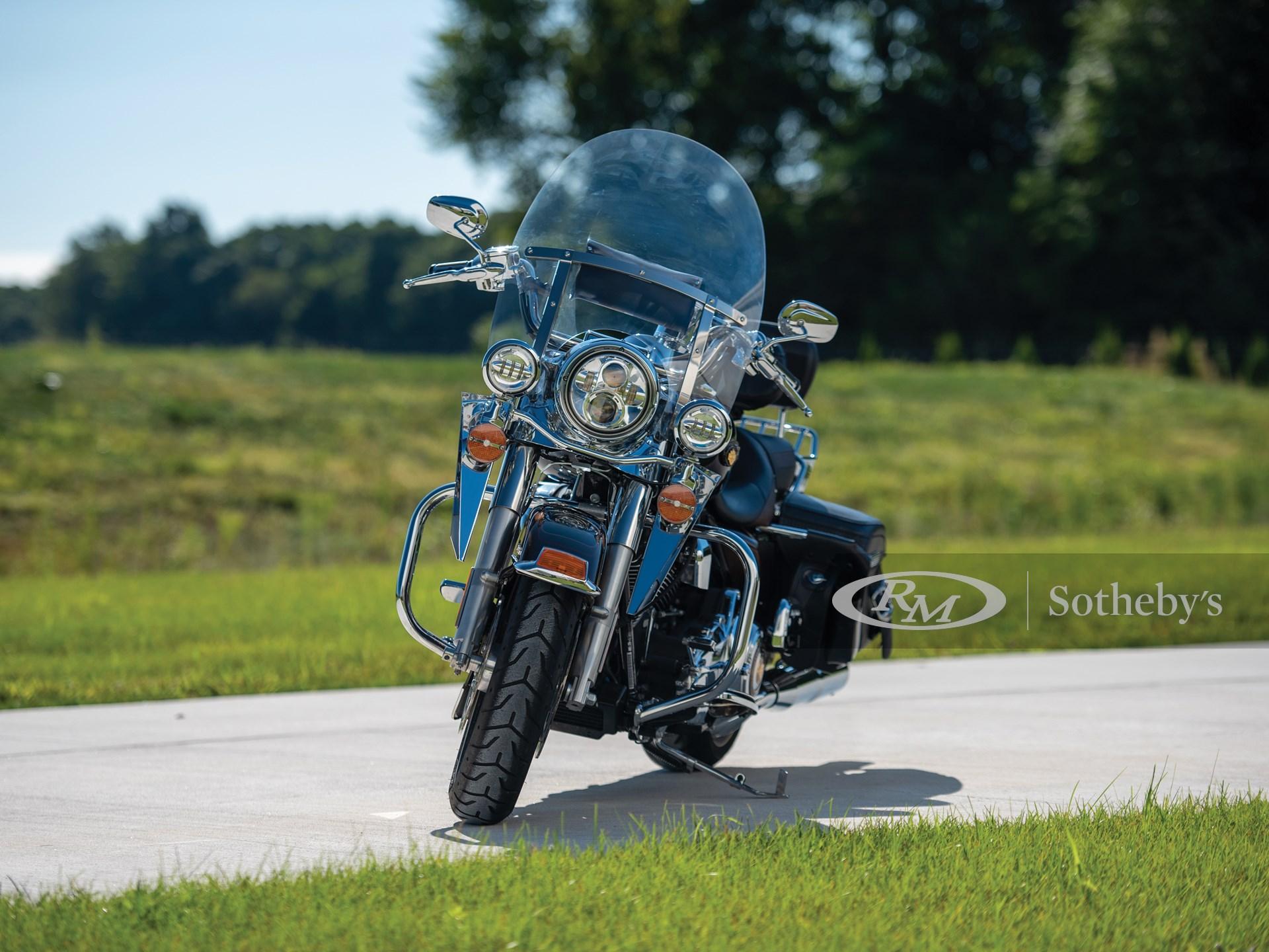 2013 Harley-Davidson Road King 110th Anniversary  -