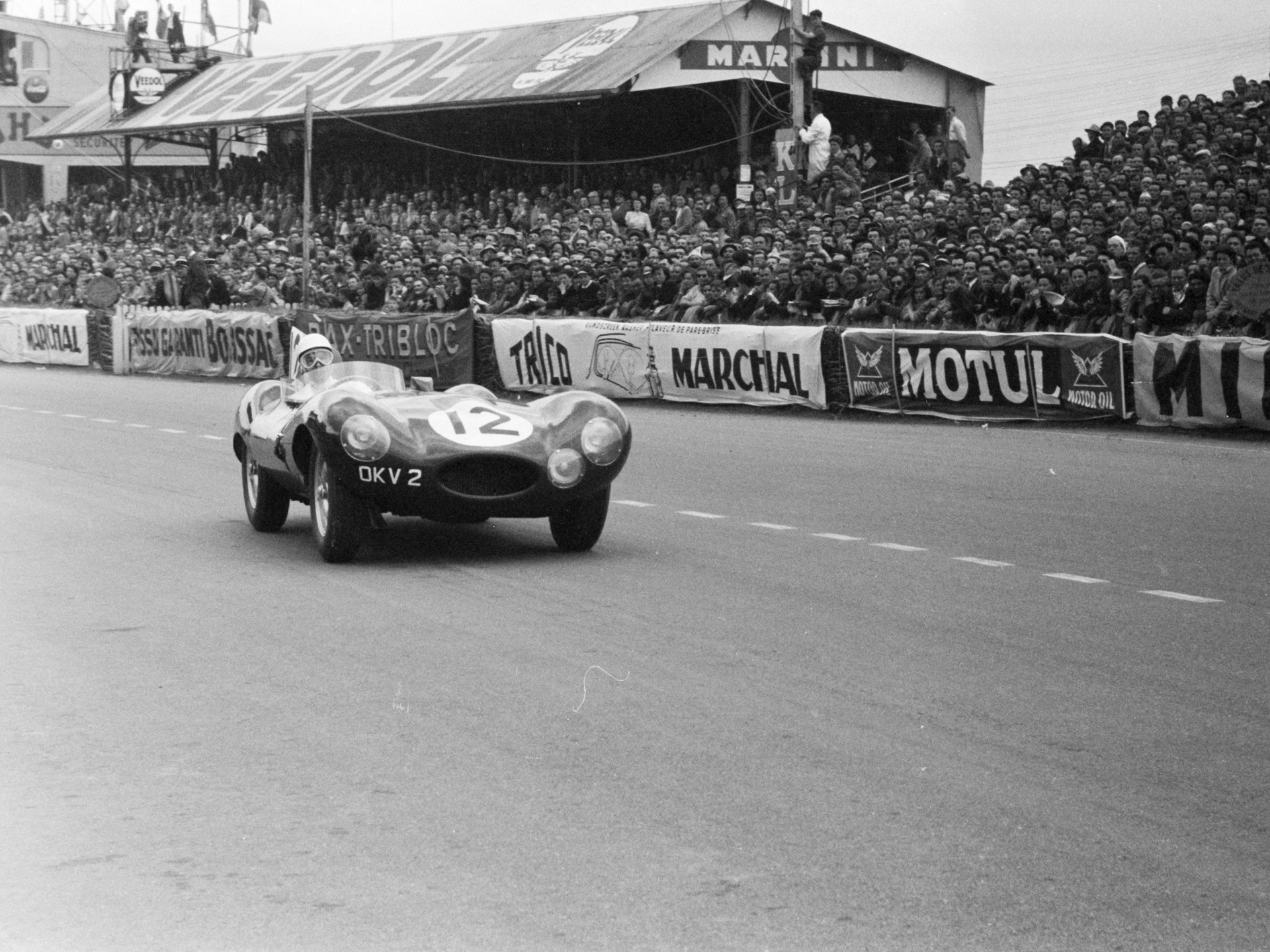 OKV2 at speed during the 1954 24 Hours of Le Mans.