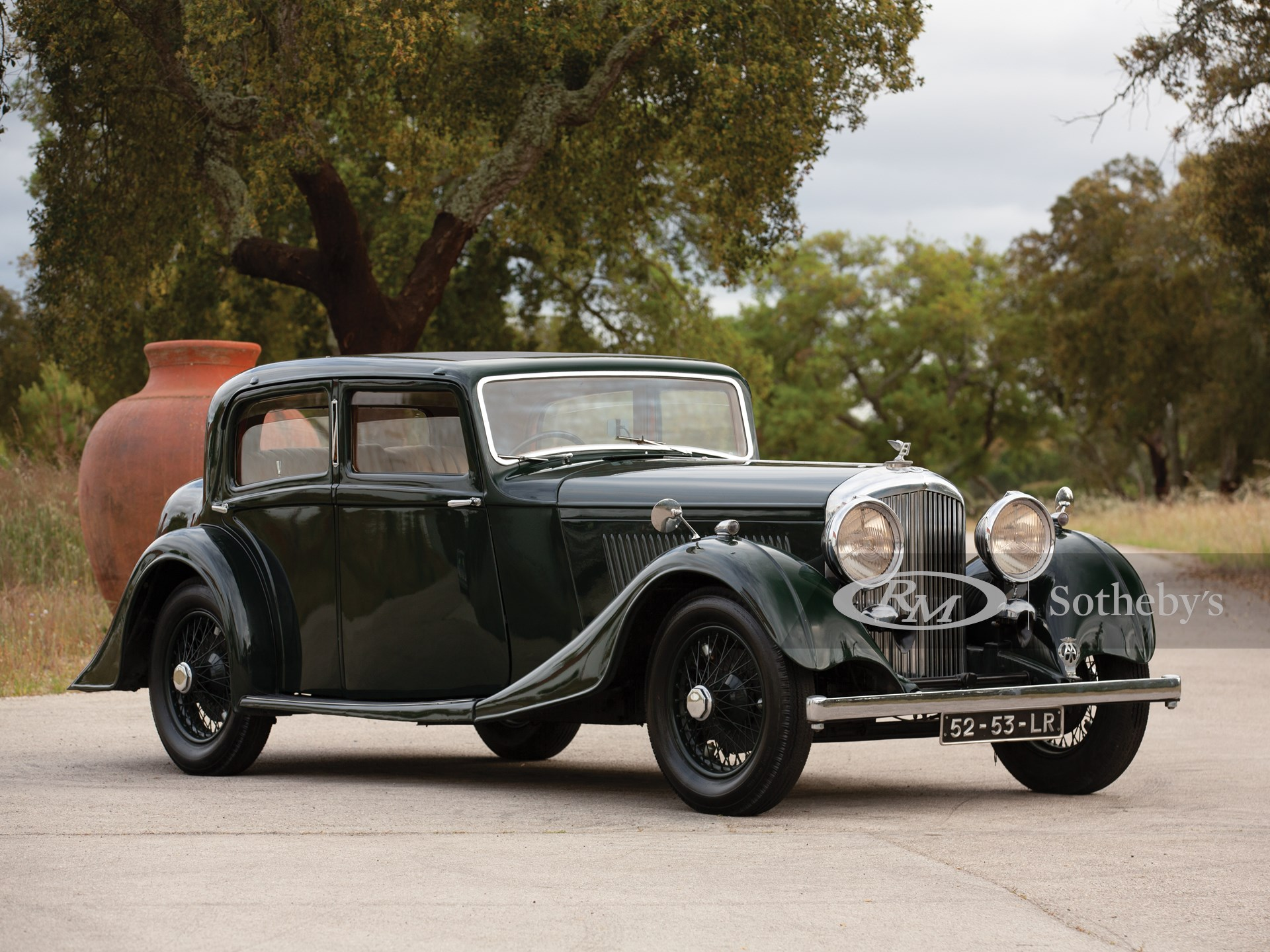1934 Bentley 3½-Litre Sports Saloon by Arnold of Manchester