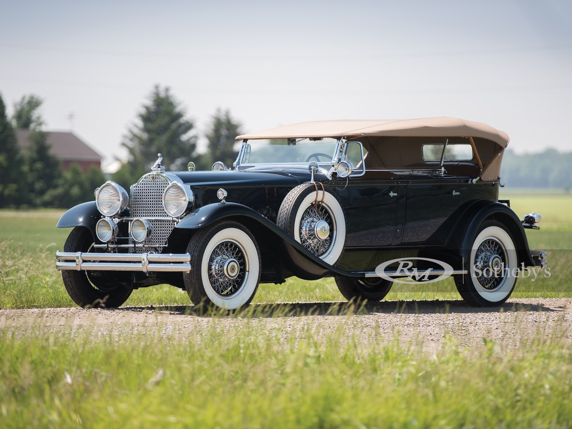 1930 Packard Deluxe Eight Dual-Cowl Sport Phaeton