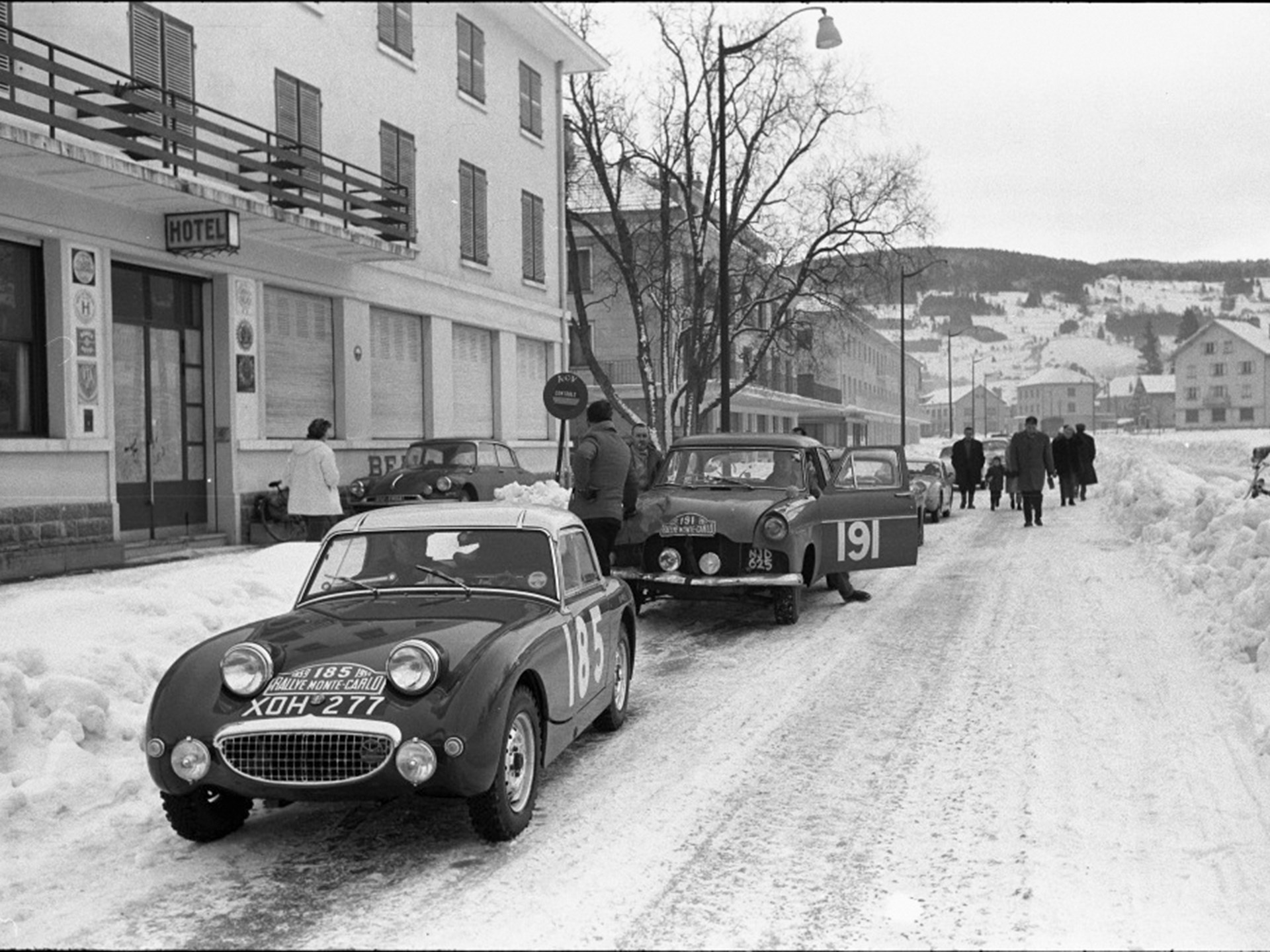 XOH 277 on the Monte Carlo Rally in 1959, where it finished 5th in class.