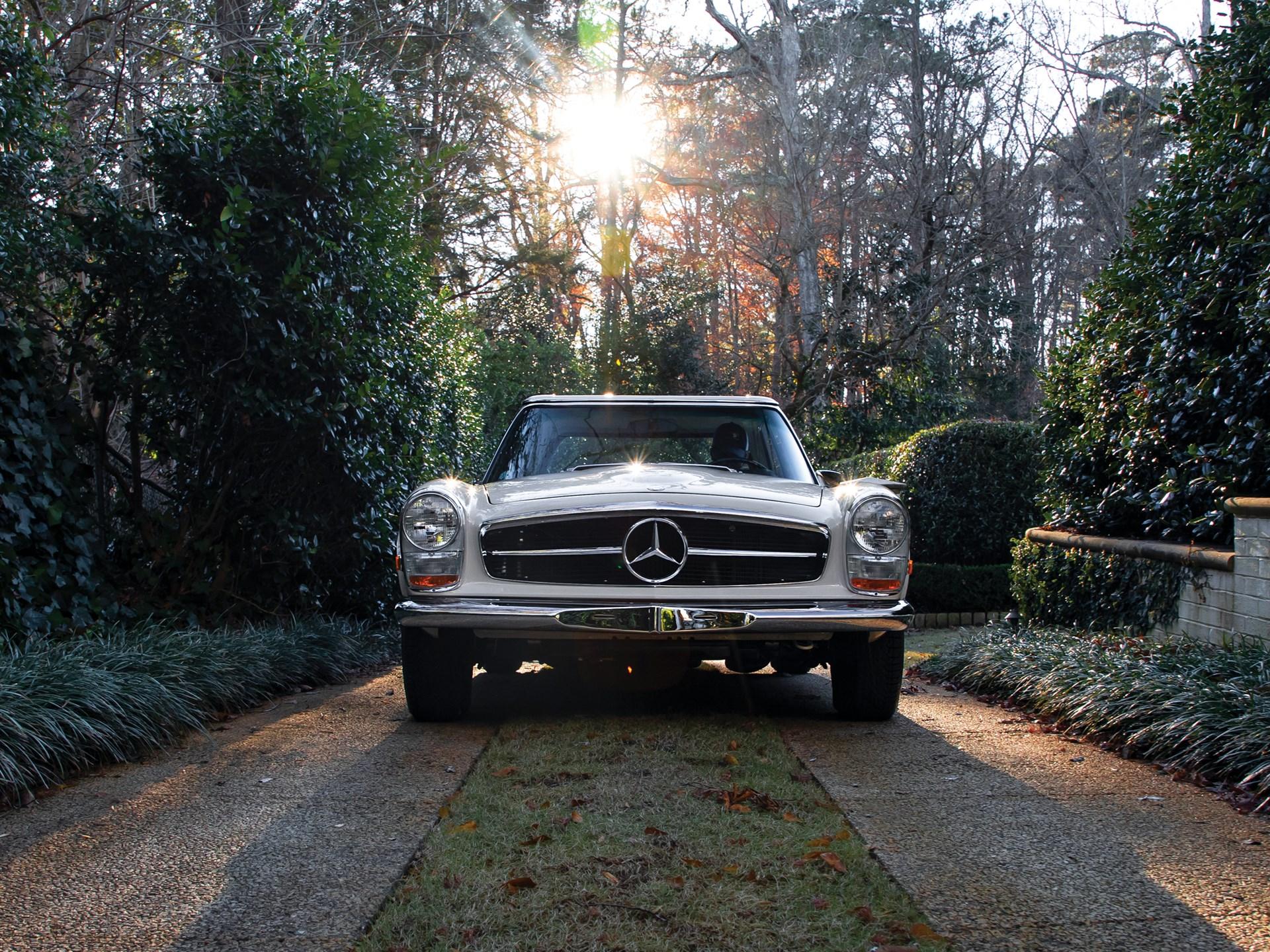 1968 Mercedes-Benz 280 SL 'Pagoda'