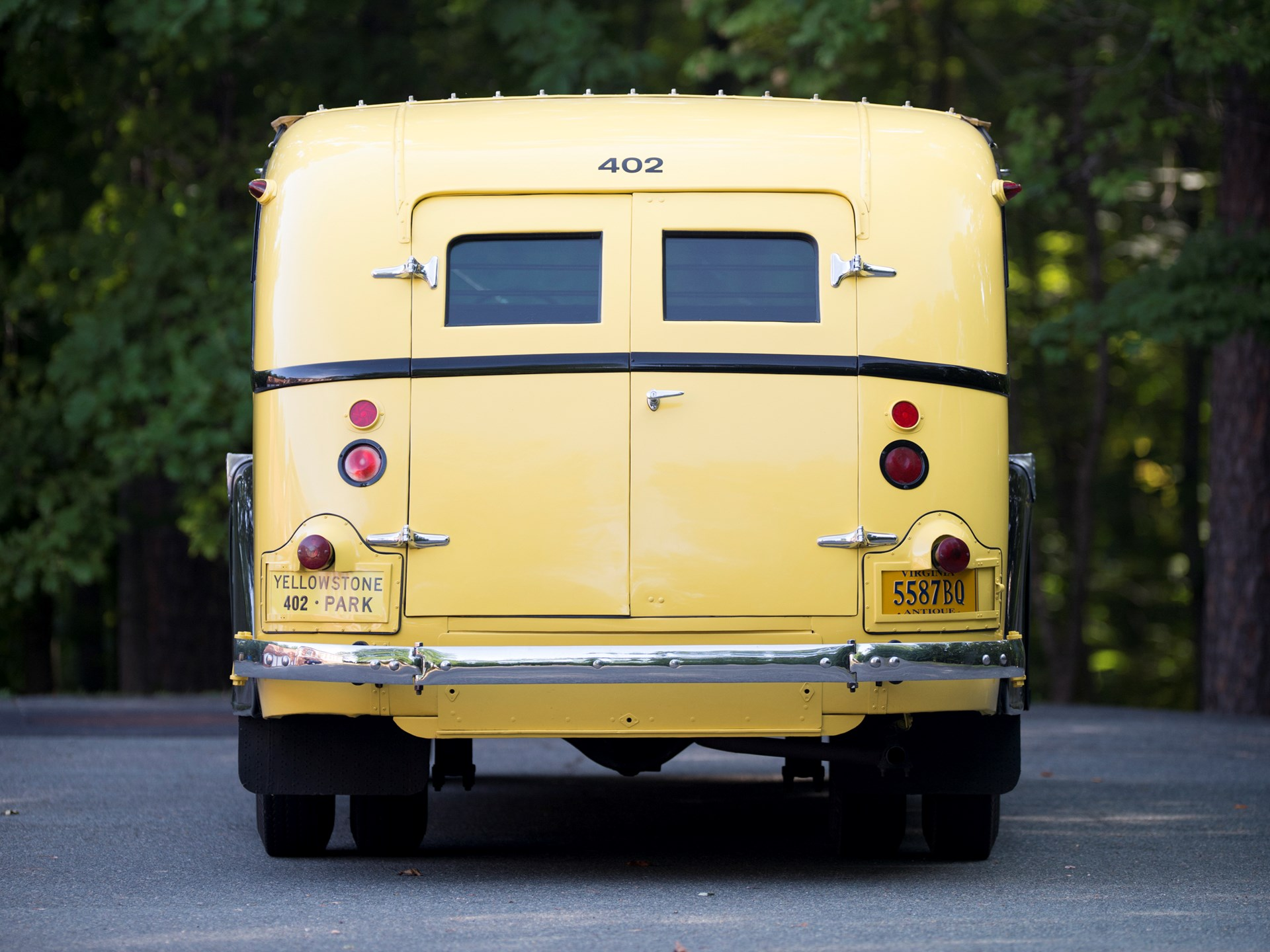 1937 White Model 706 Yellowstone Park Tour Bus by Bender