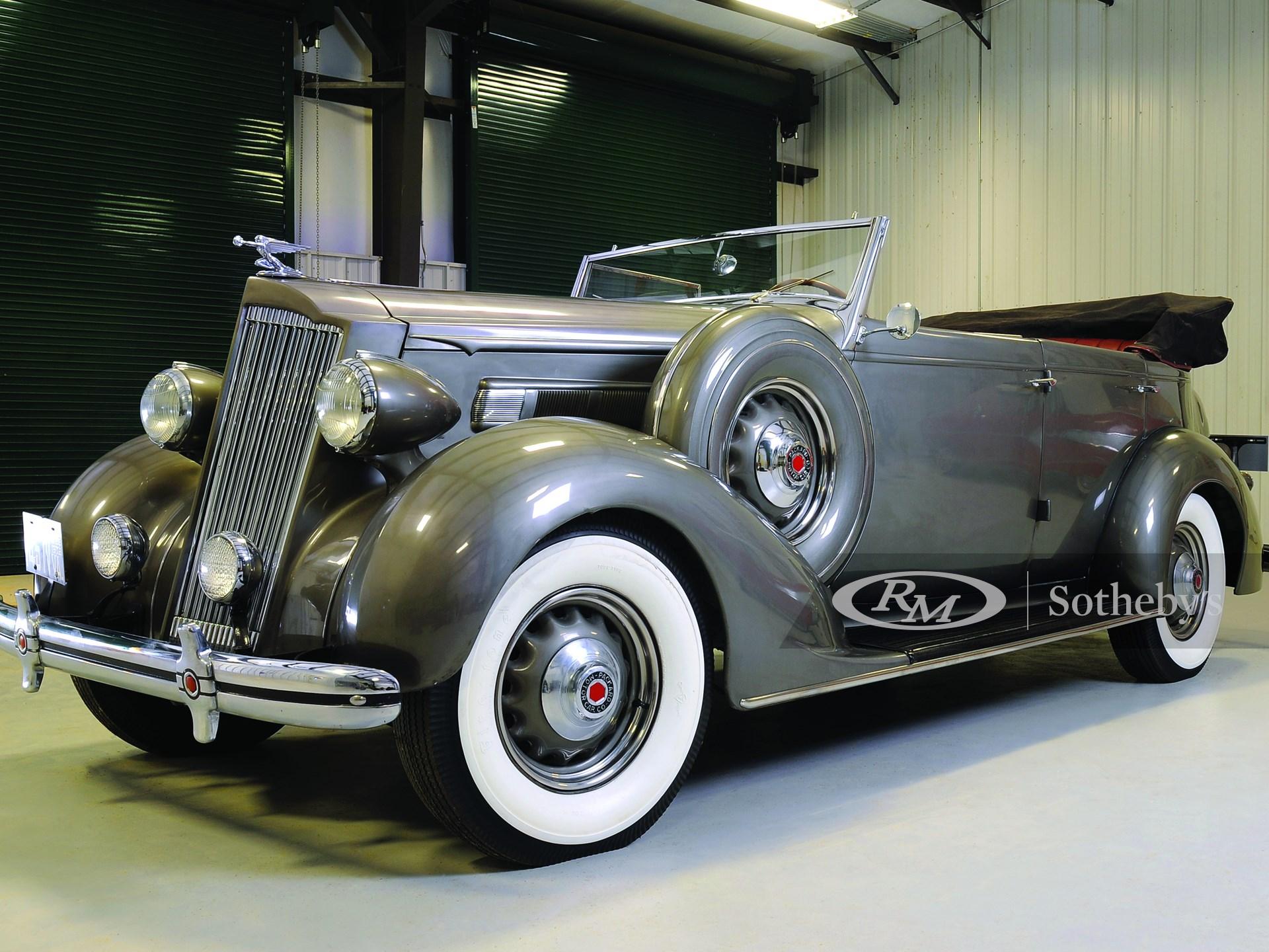1936 Packard One Twenty