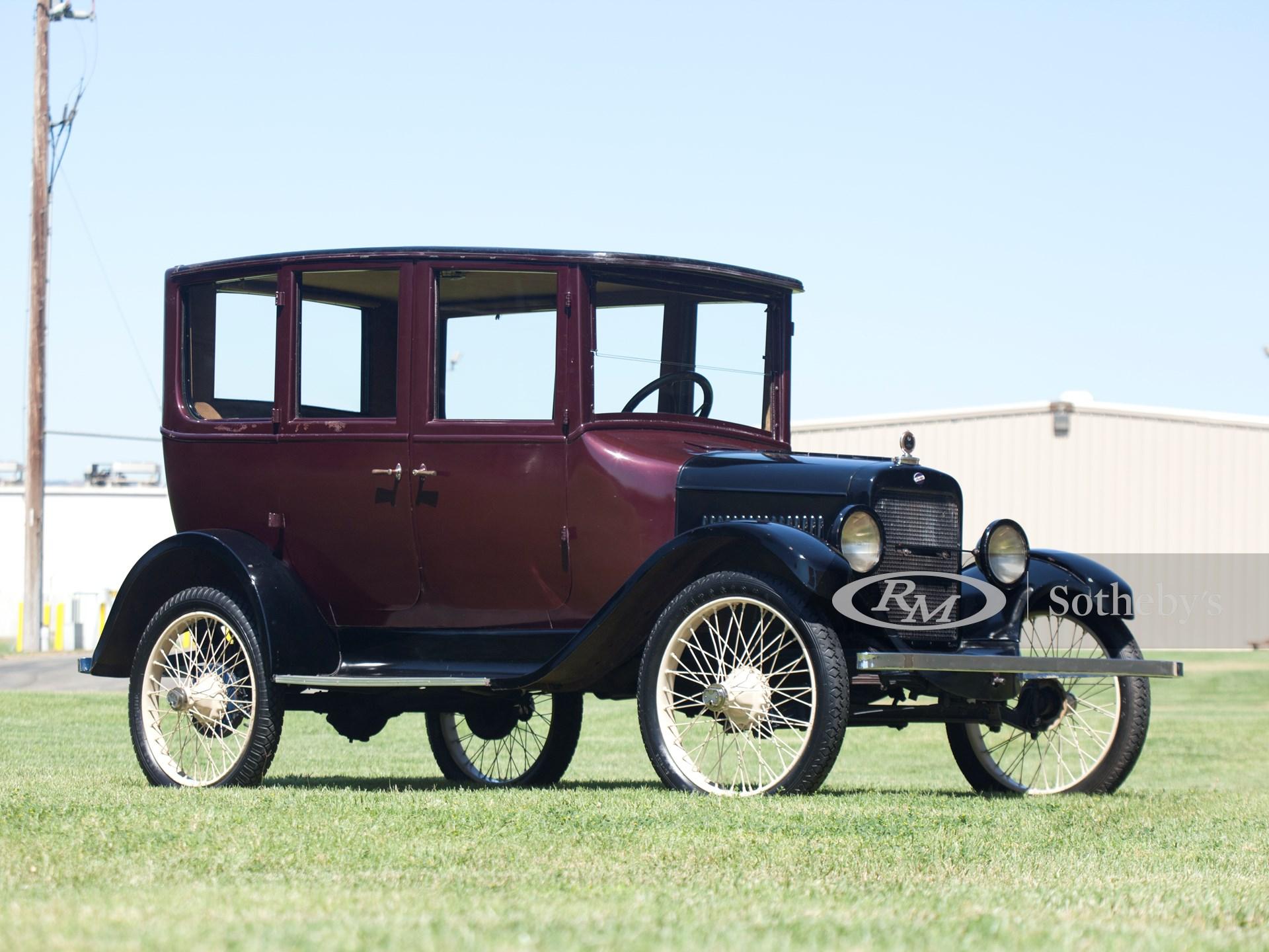 1922 Overland Model 4 Sedan