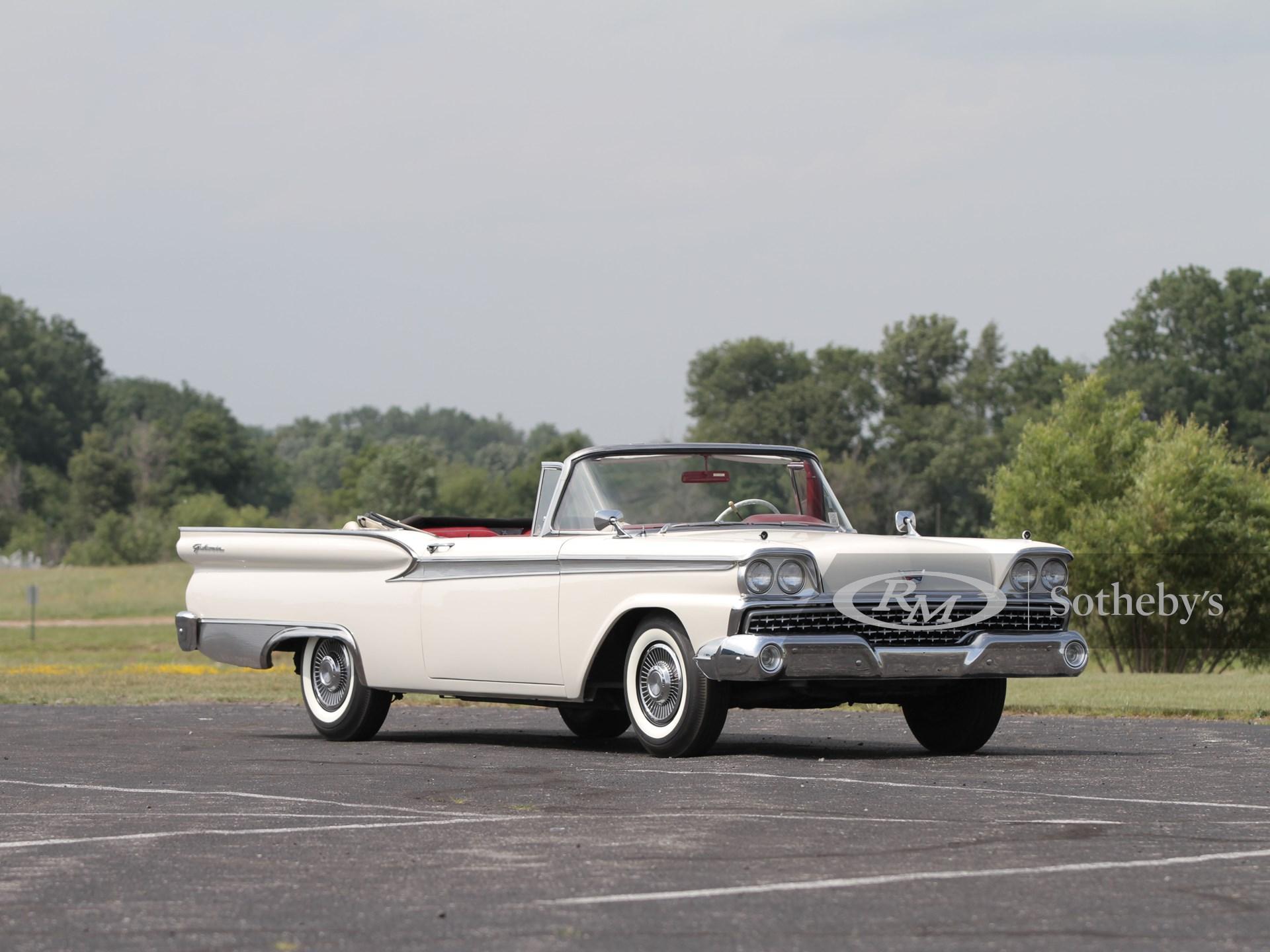 1959 Ford Fairlane 500 Galaxie Sunliner