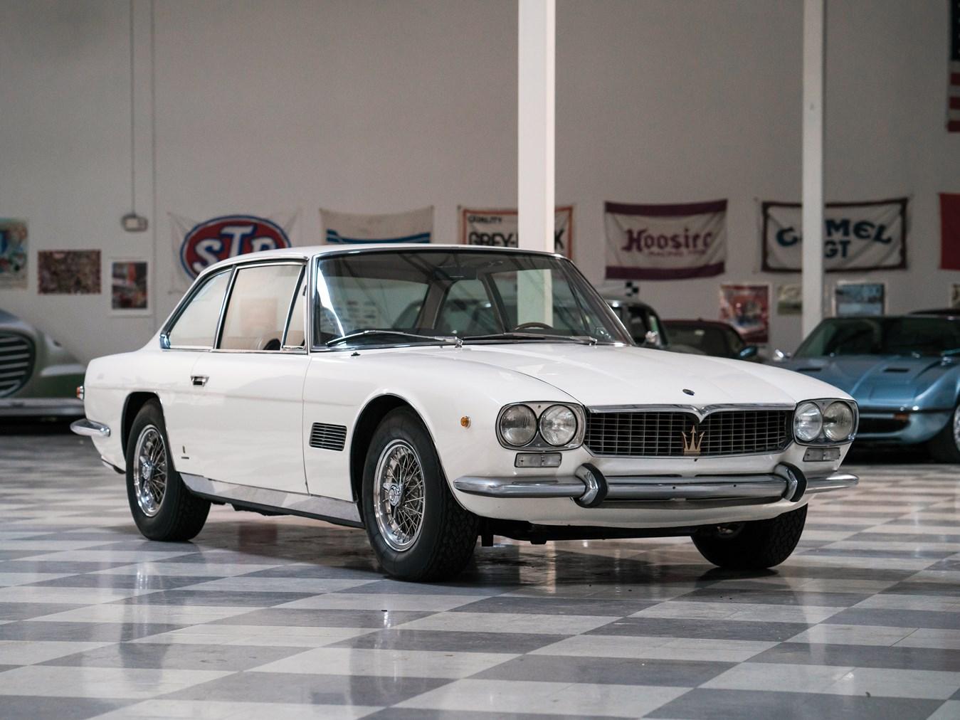 1968 Maserati Mexico 4.7 by Vignale