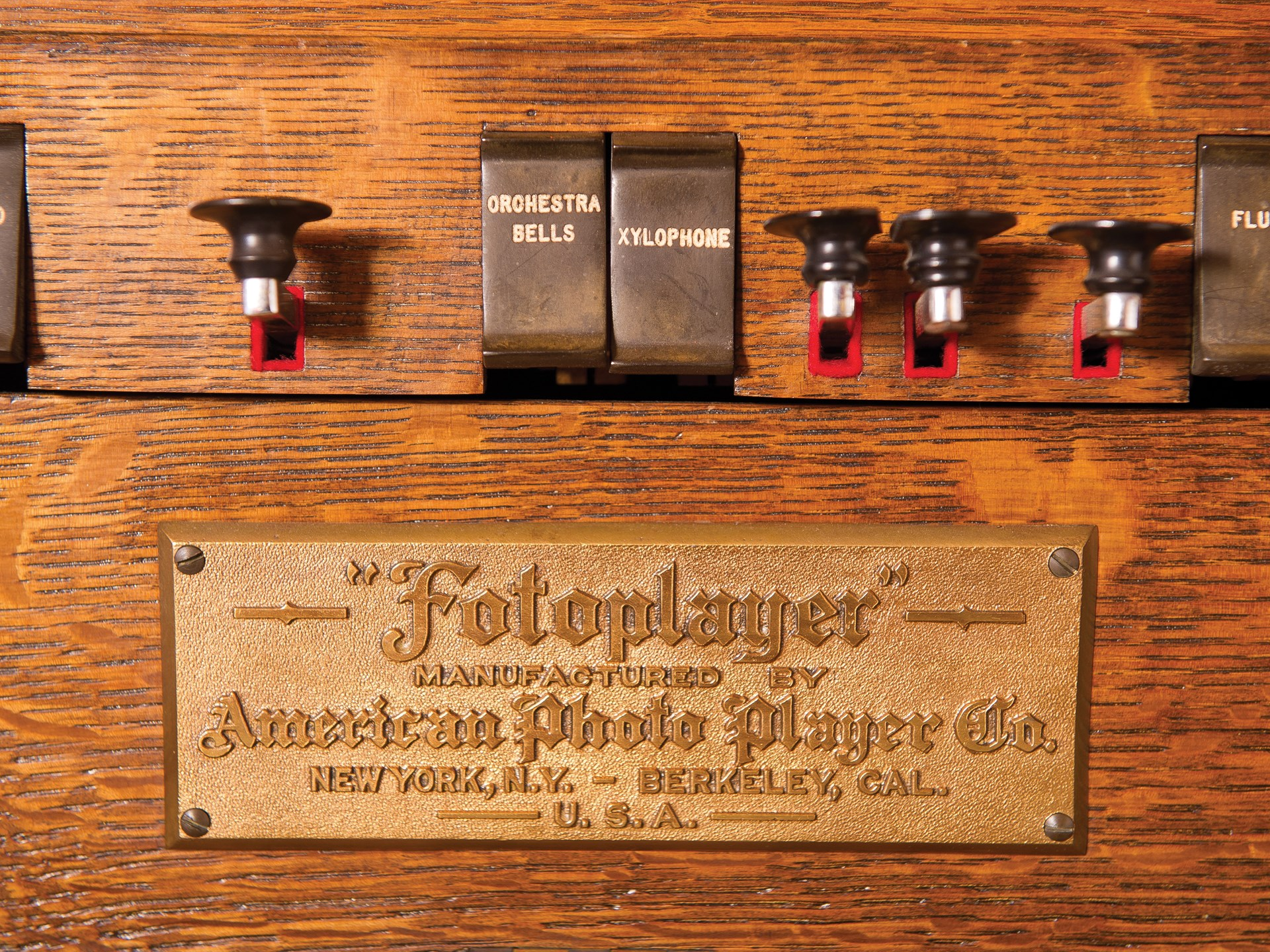 1915 American Fotoplayer, Style 45