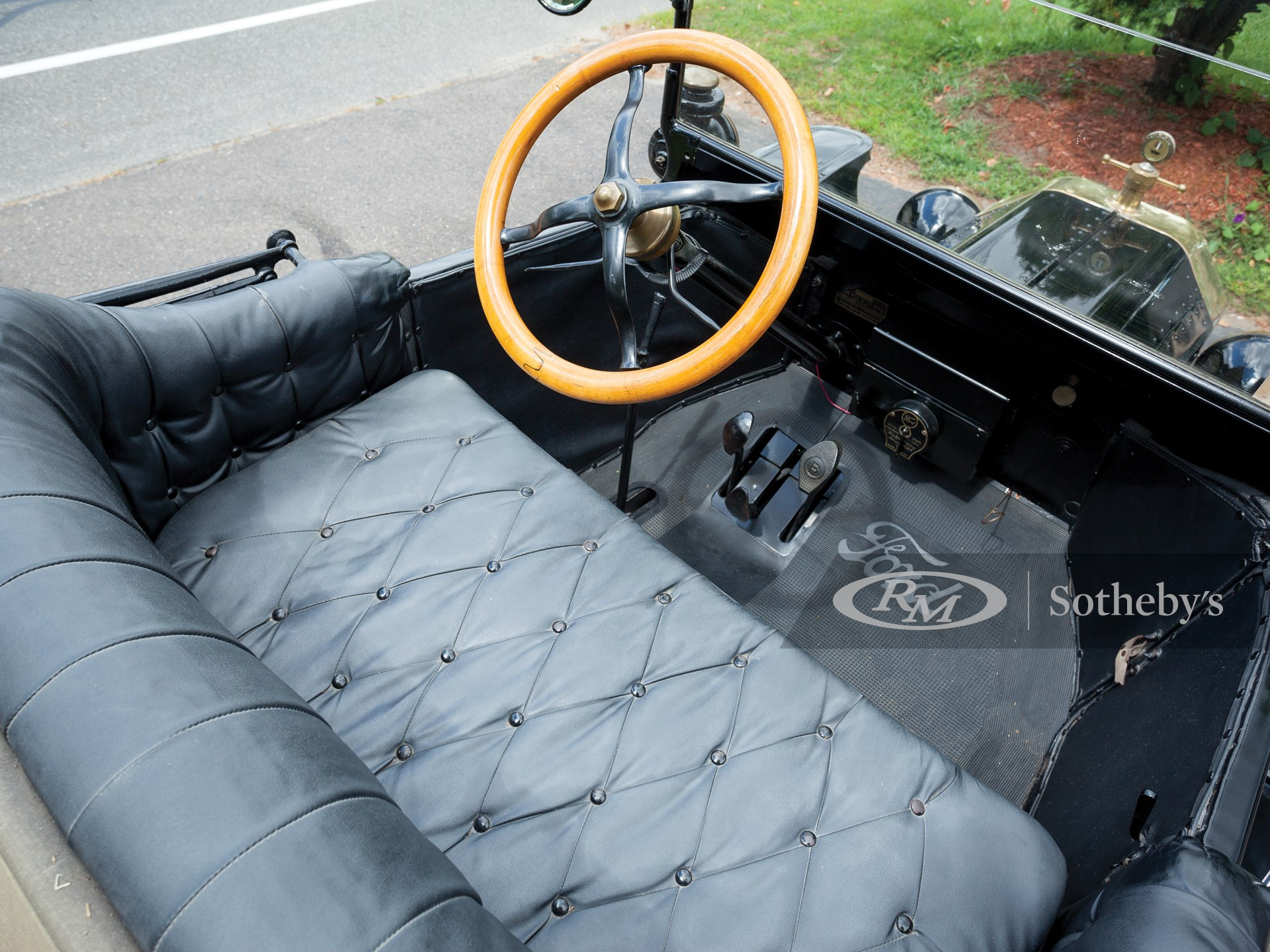 1915 Ford Model T Runabout  -