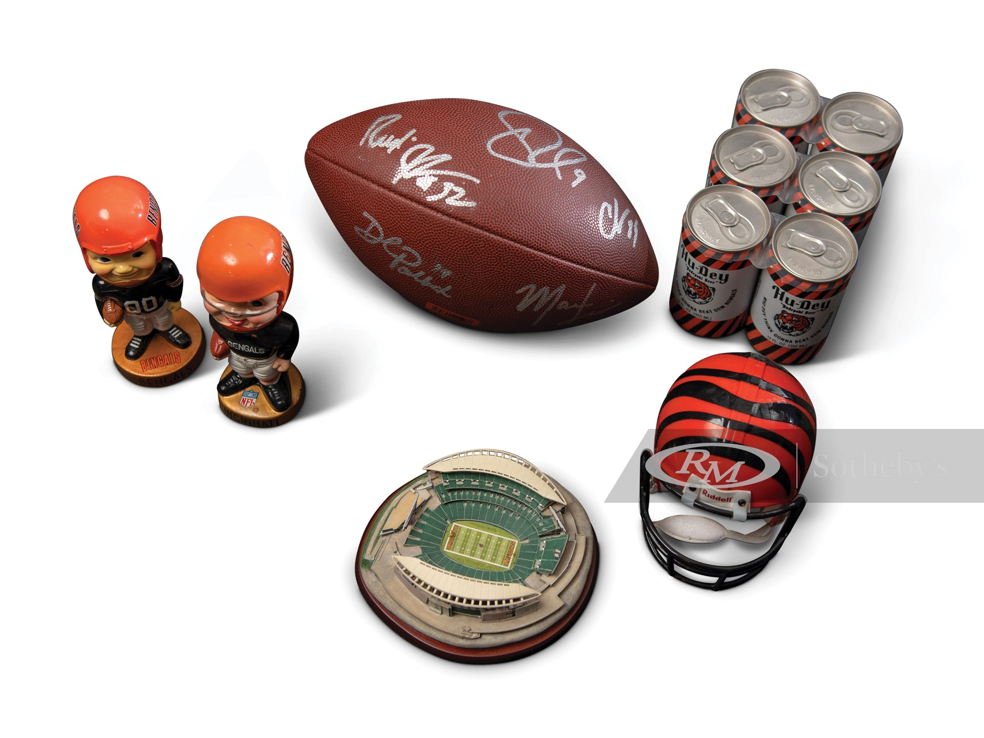 Cincinnati Bengals Collectibles, Highlighted by Carson Palmer and Chad Johnson Autographed Football -