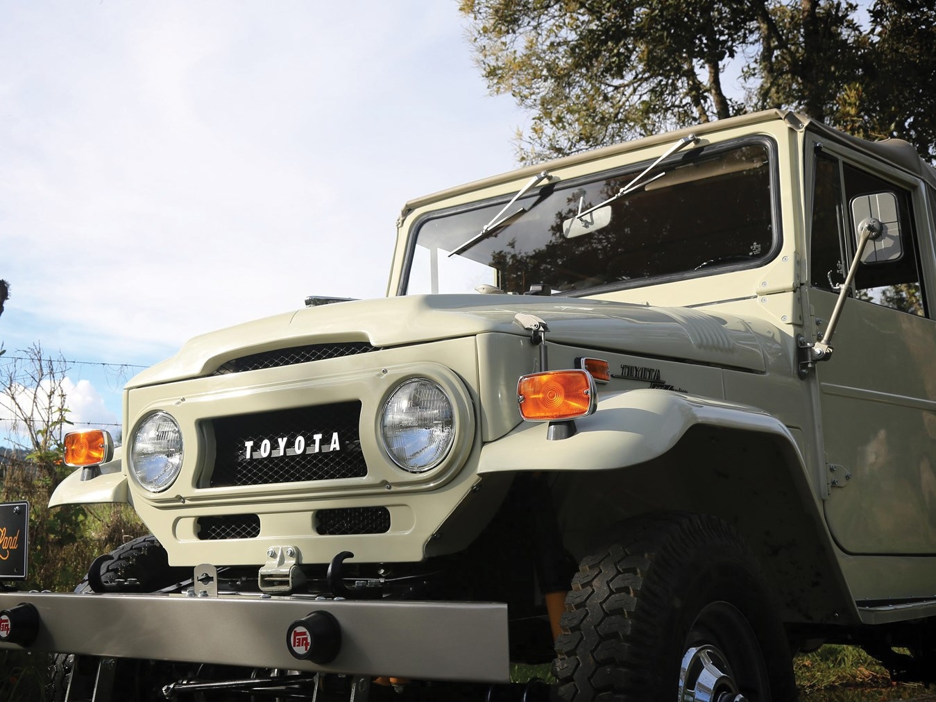 1970 Toyota FJ43 Land Cruiser Soft-Top