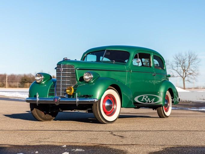 1938 Oldsmobile | Photo: Teddy Pieper | @vconceptsllc
