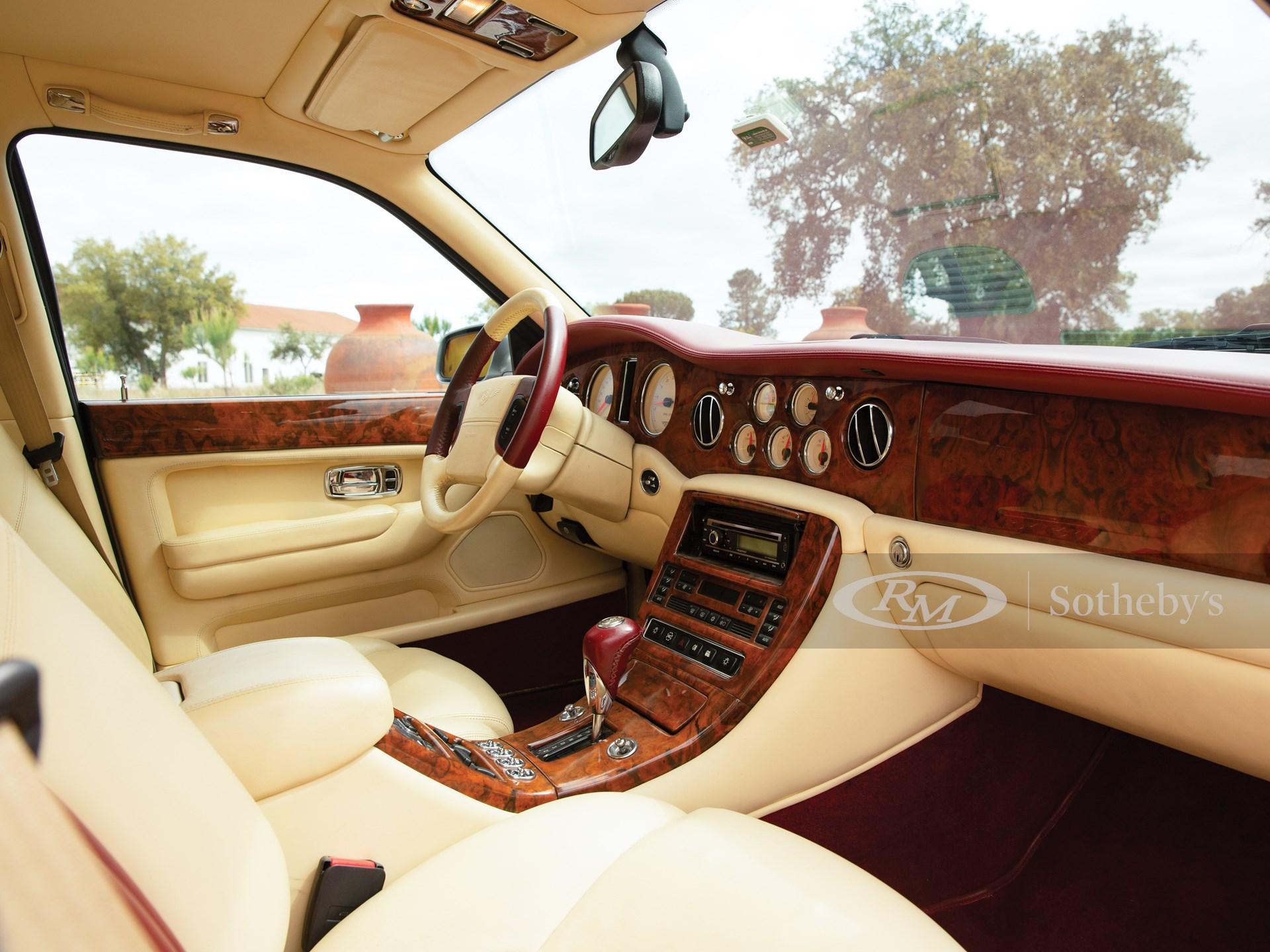 2000 Bentley Arnage Red Label  -