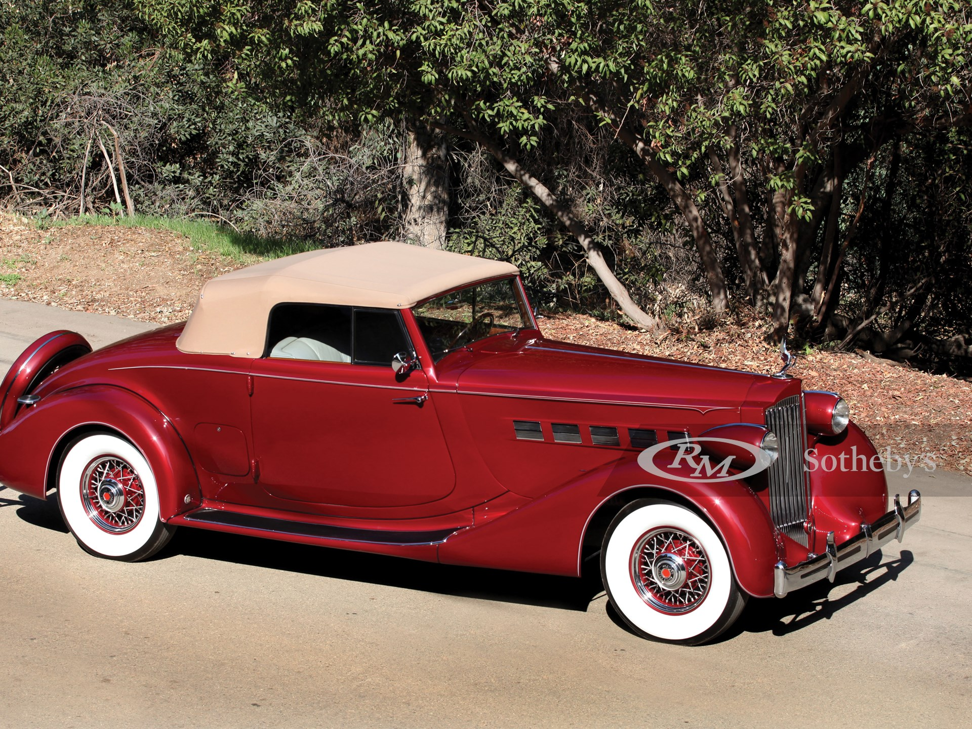 1935 Packard Super Eight Coupe Roadster