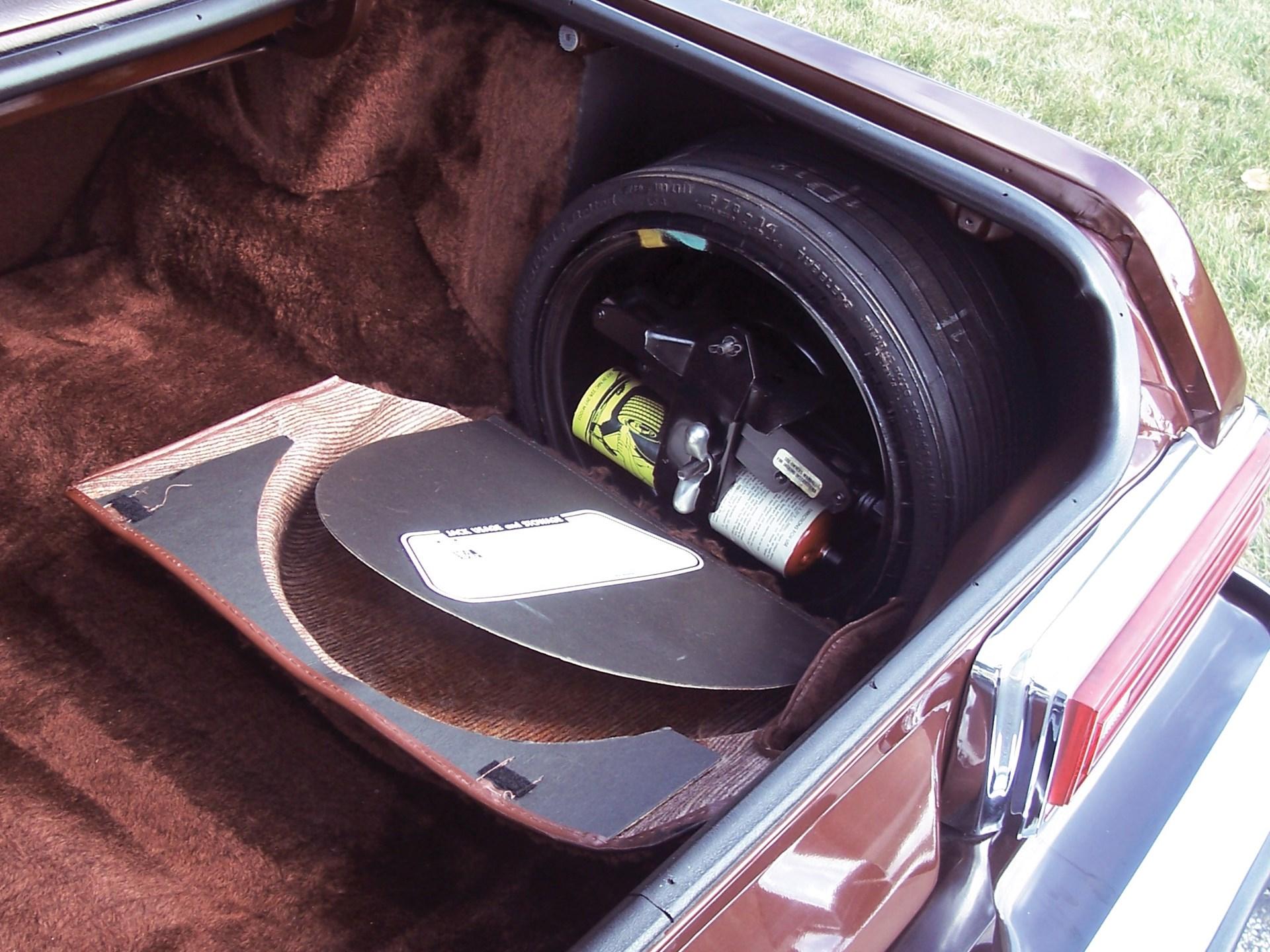 1977 Lincoln Versailles Sedan