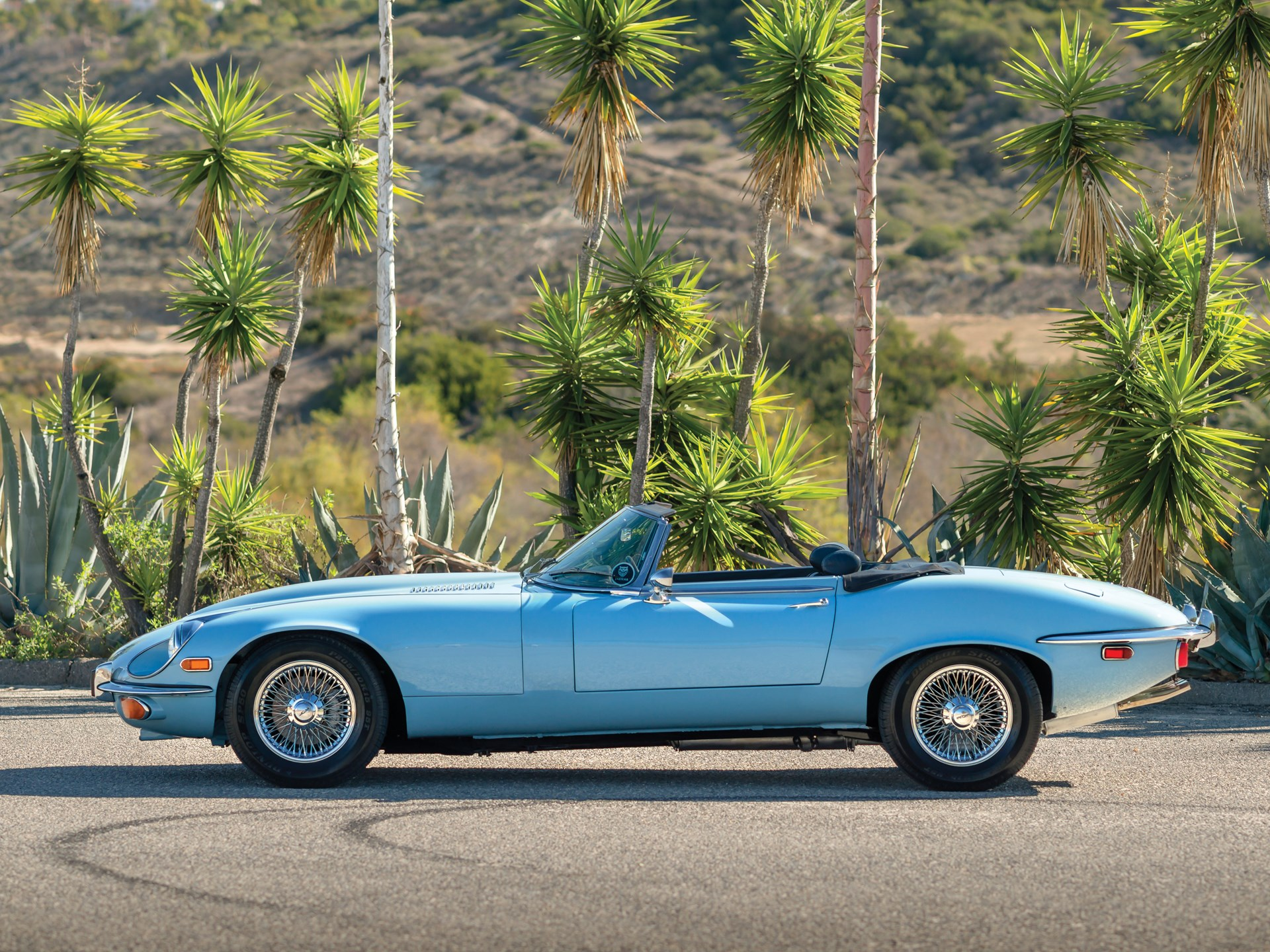1972 Jaguar E-Type Series 3 V-12 Roadster