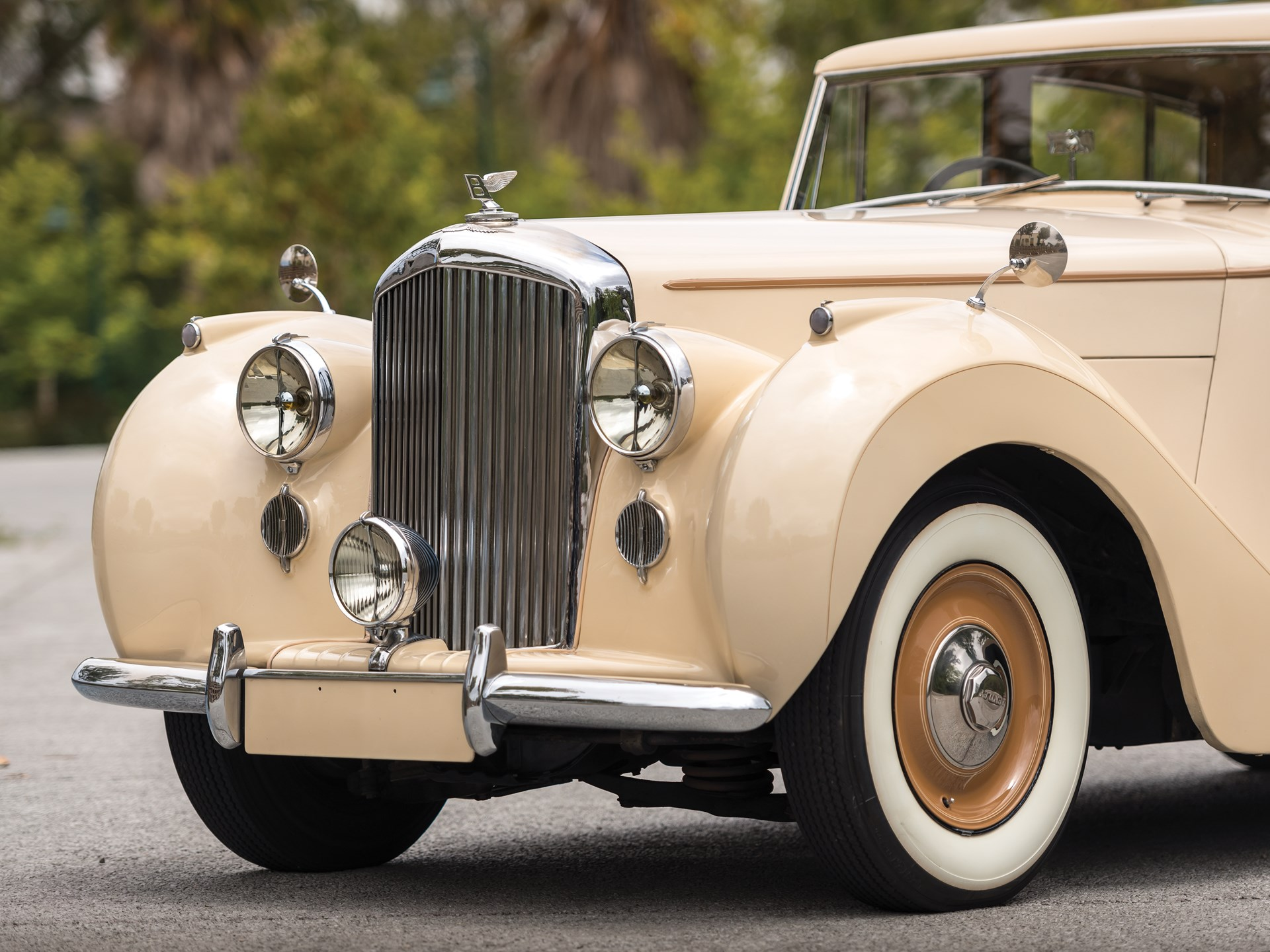 RM Sotheby's - 1947 Bentley Mark VI Saloon by Freestone