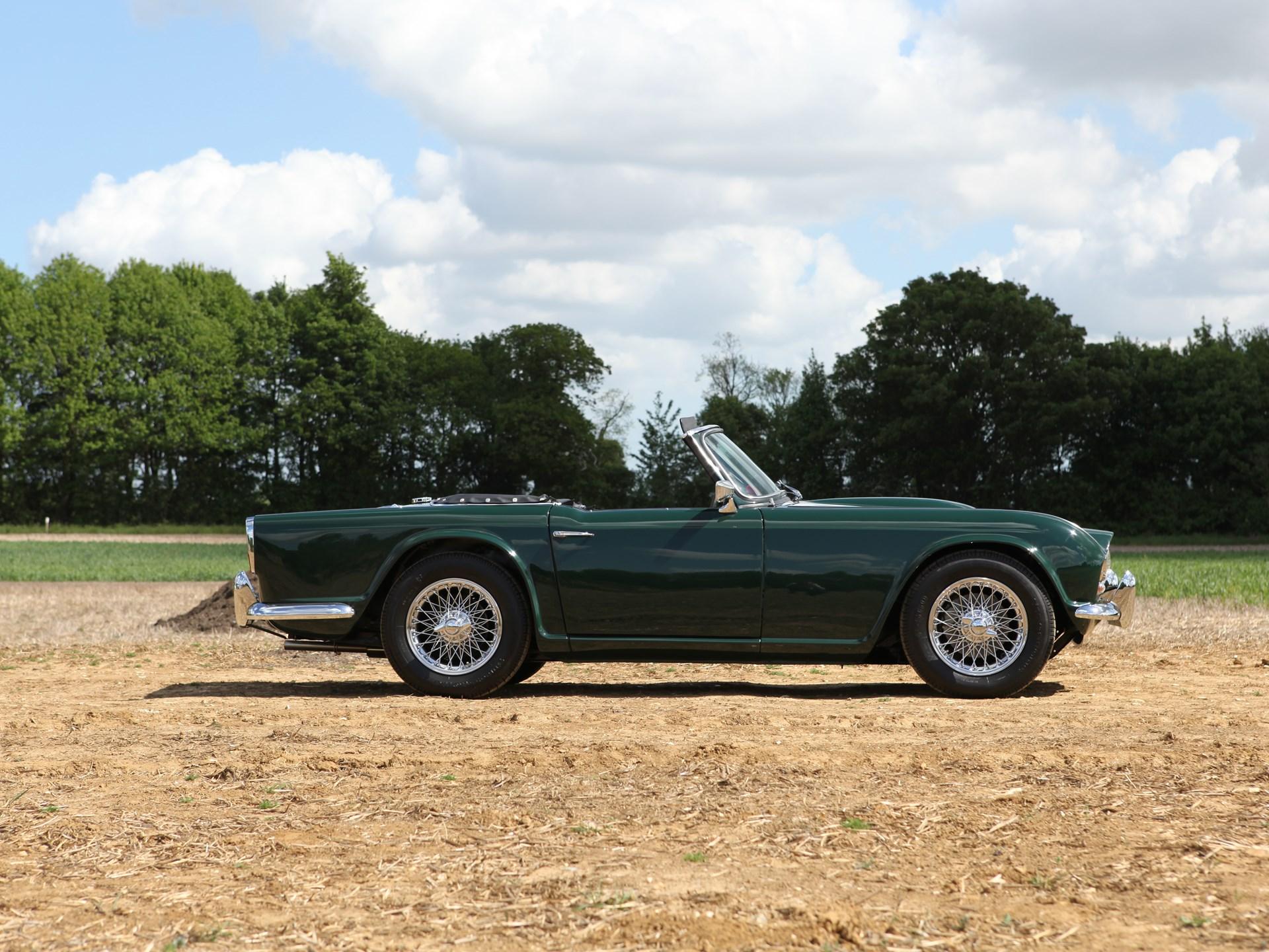 RM Sotheby's - 1962 Triumph TR4 Roadster   Salon Privé 2011