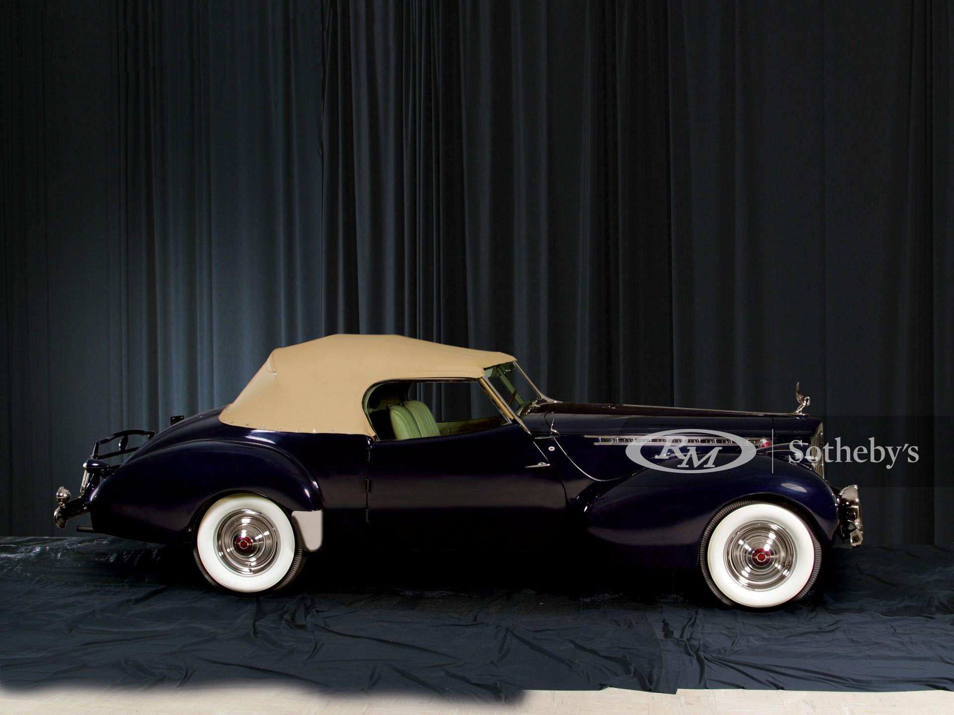 1940 Packard Super Eight Darrin Conv.